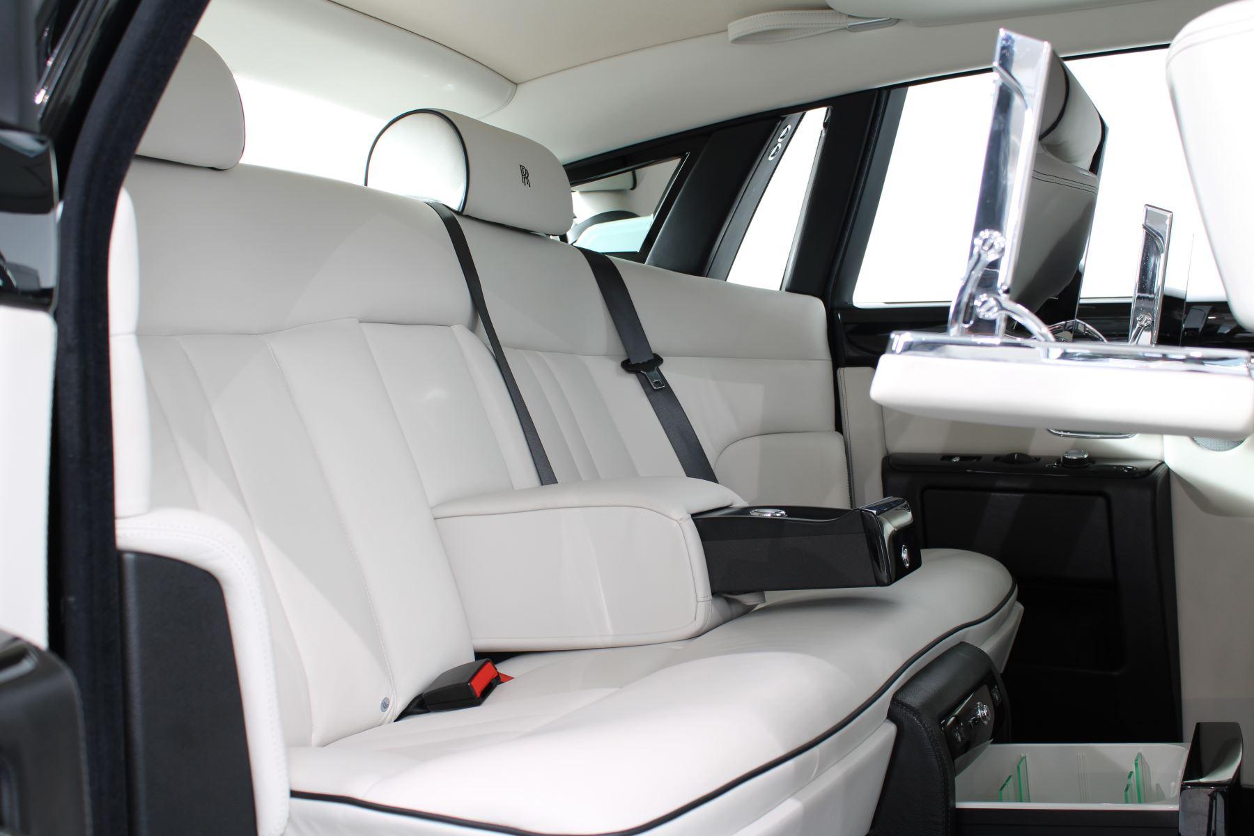 Rolls-Royce Phantom II 4dr Auto image 38
