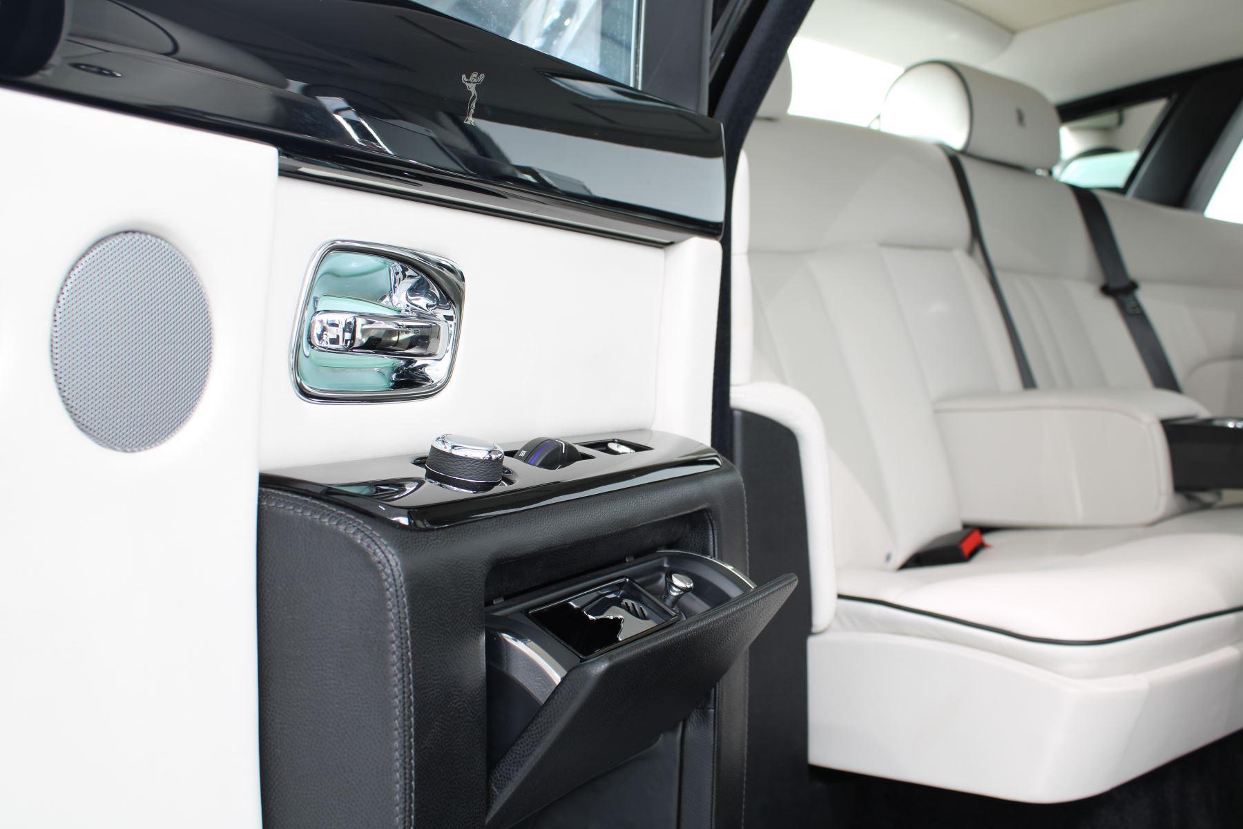 Rolls-Royce Phantom II 4dr Auto image 39