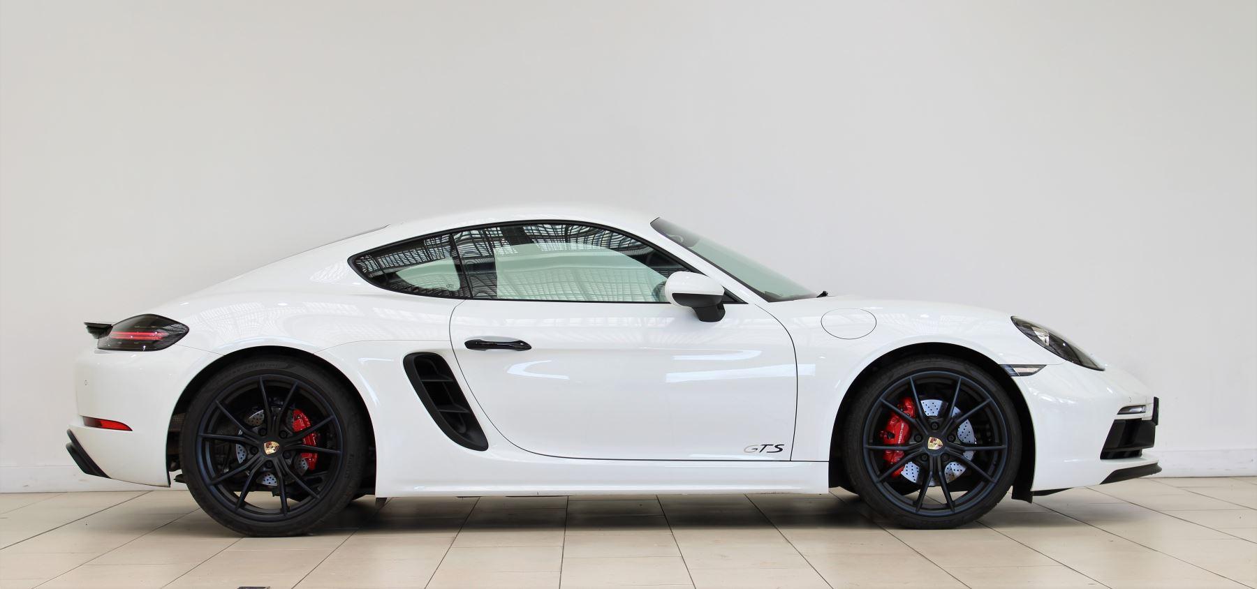 Porsche Cayman 2.5 GTS 2dr PDK image 2