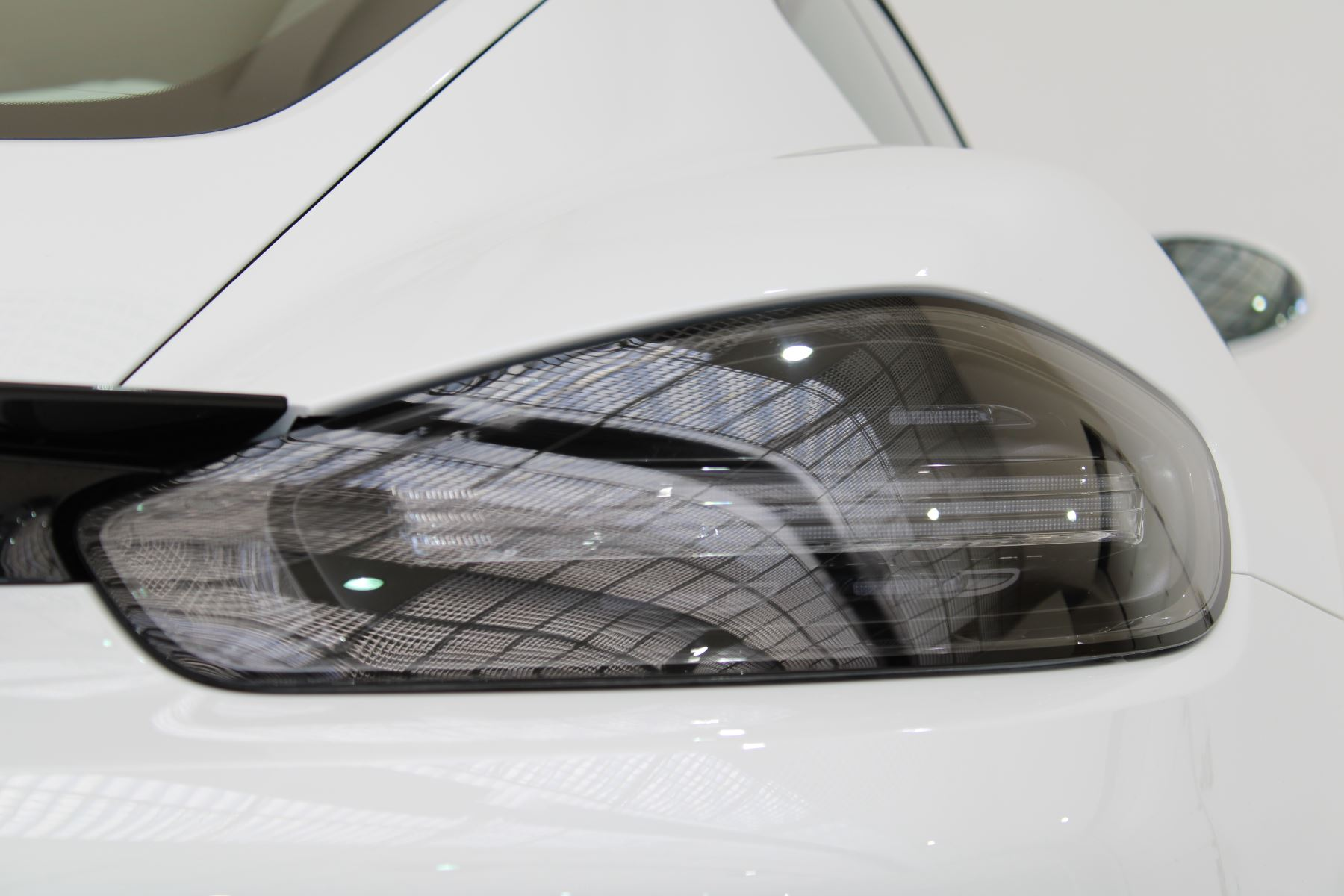 Porsche Cayman 2.5 GTS 2dr PDK image 14