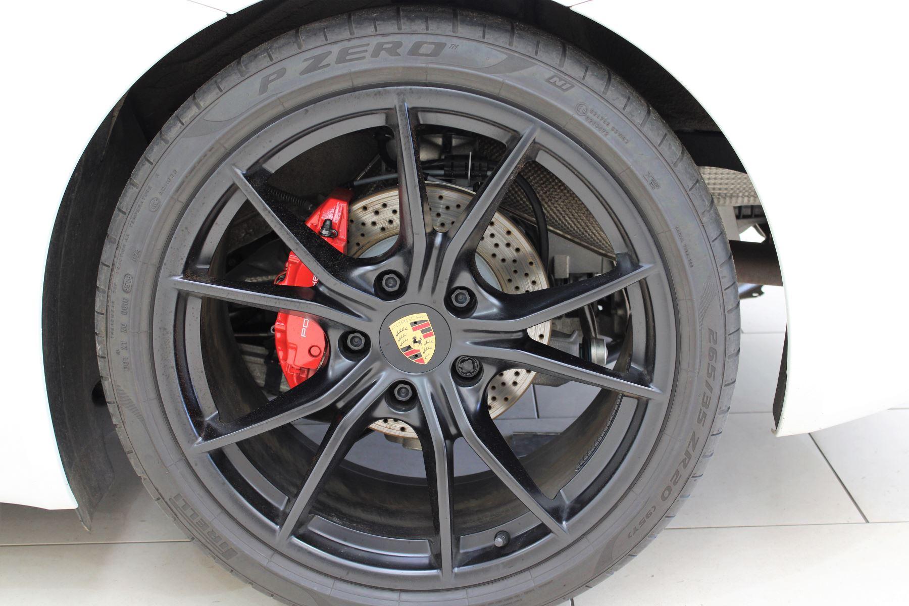 Porsche Cayman 2.5 GTS 2dr PDK image 15