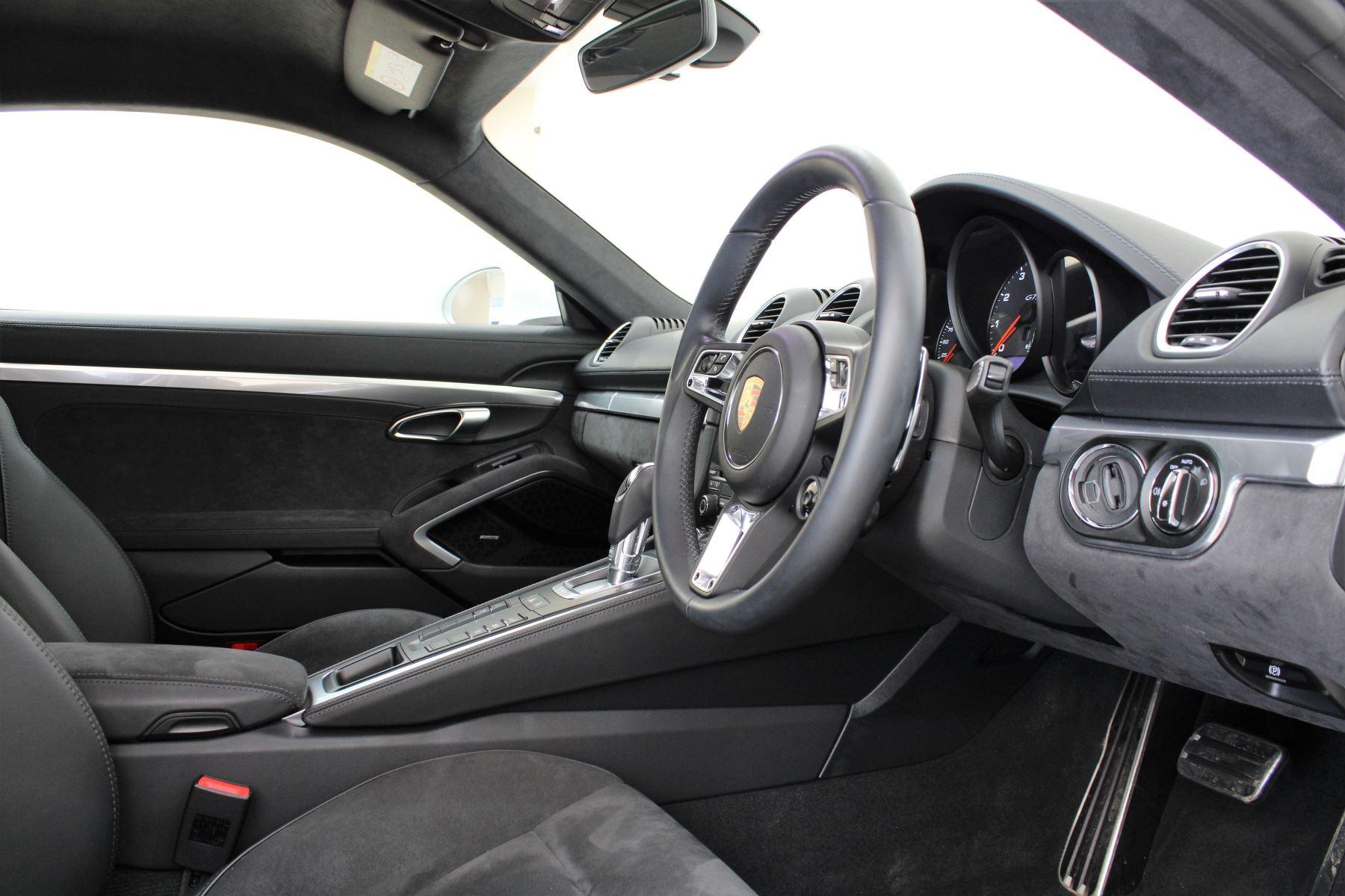 Porsche Cayman 2.5 GTS 2dr PDK image 20