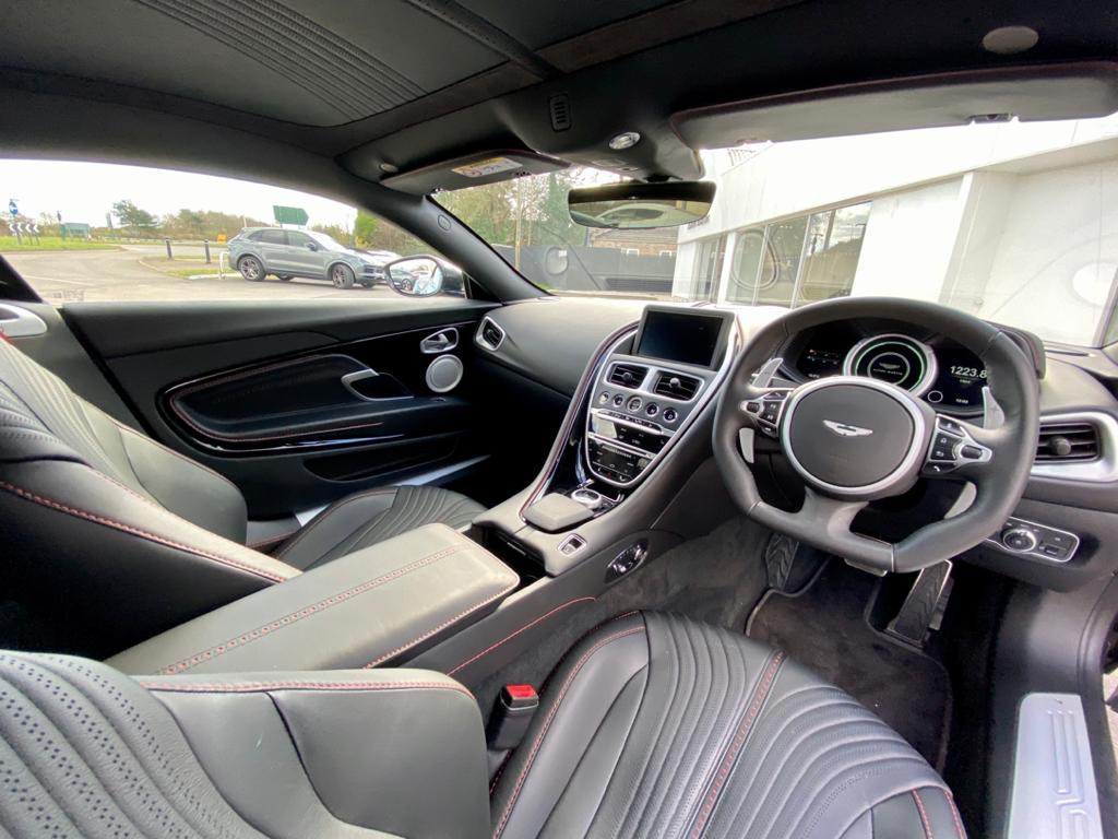 Aston Martin DB11 V12 AMR 2dr Touchtronic image 13