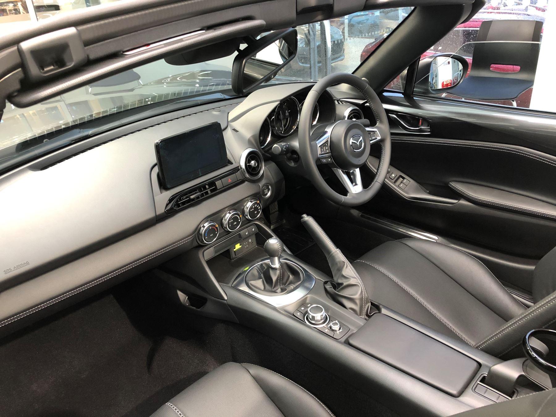 Mazda MX-5 1.5 (132) Sport image 7