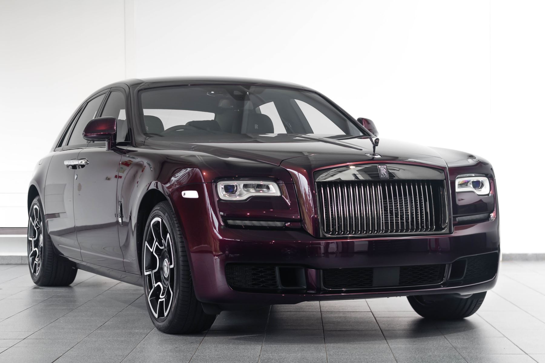 Rolls-Royce Black Badge Ghost Black Badge 4dr Auto 6.6 Automatic Saloon (2020) image