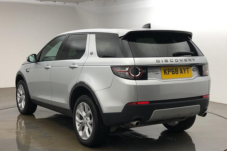 Land Rover Discovery Sport 2.0 Si4 240 HSE 5dr image 2
