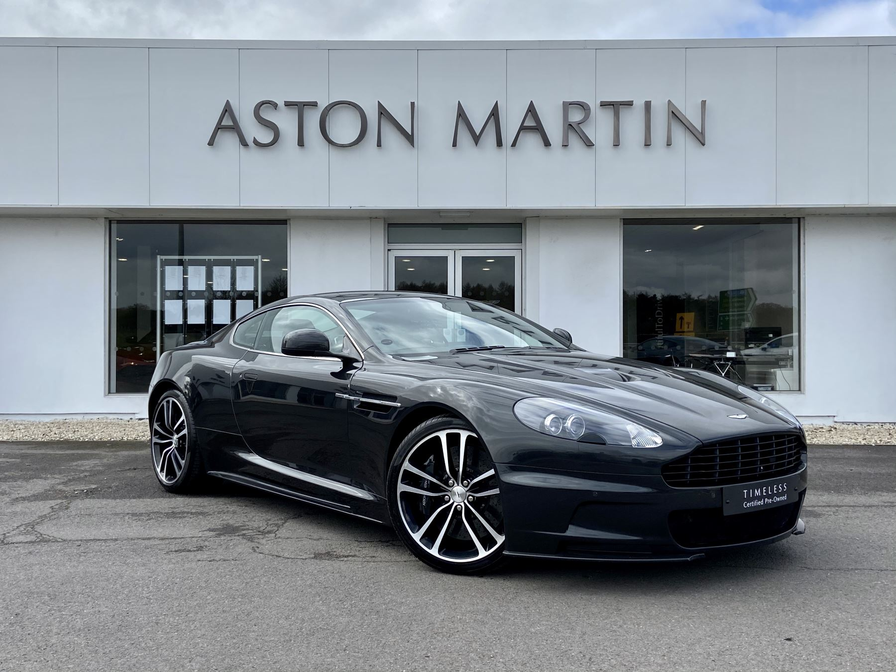 Aston Martin DBS Carbon Edition V12 2dr Touchtronic image 3