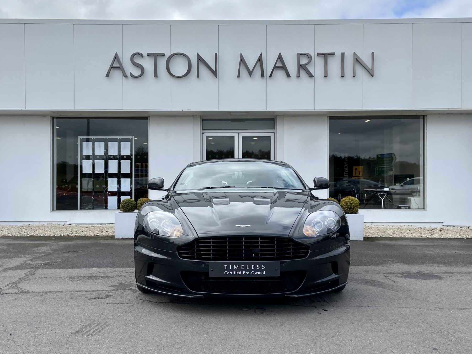Aston Martin DBS Carbon Edition V12 2dr Touchtronic image 2