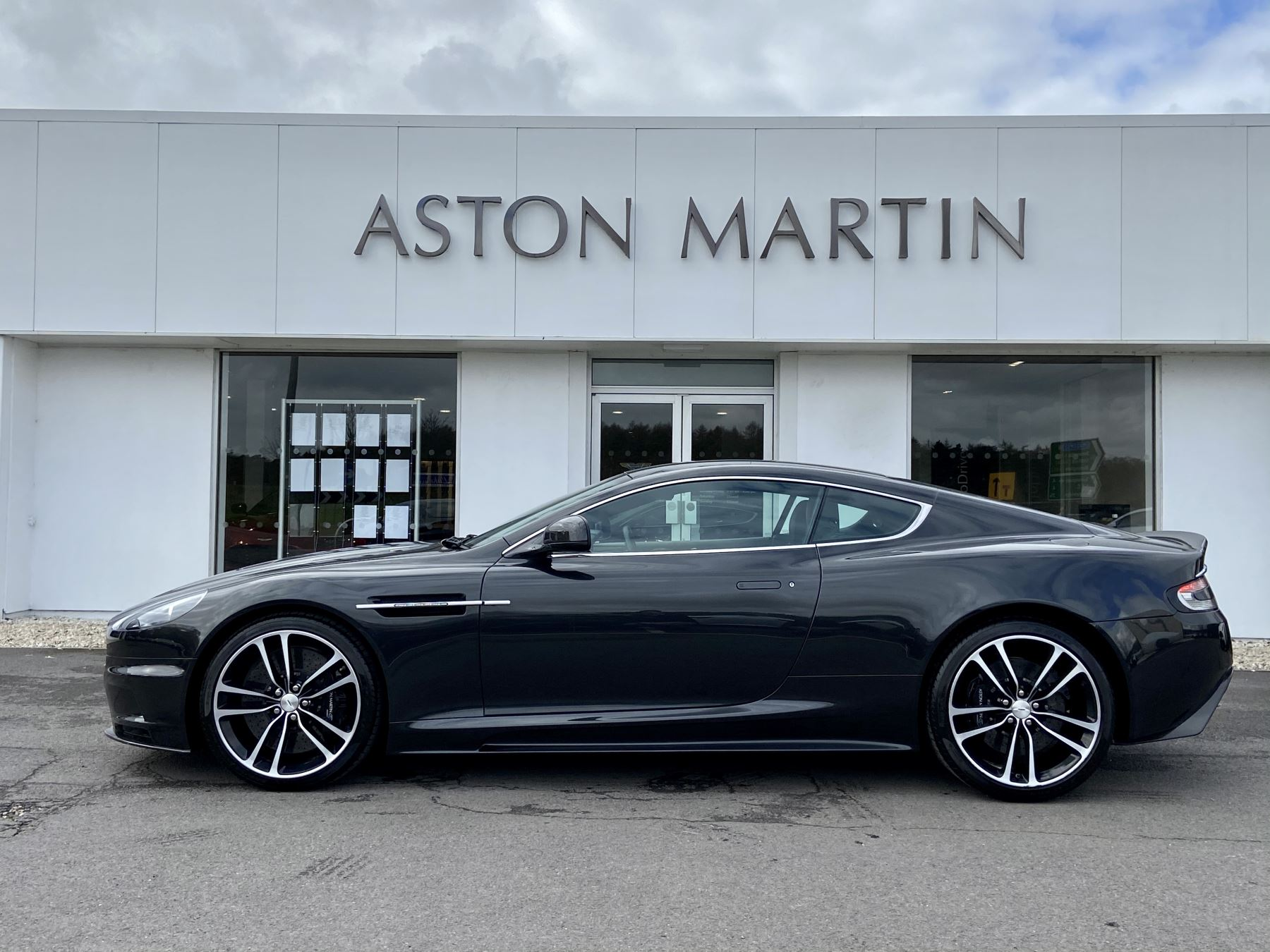 Aston Martin DBS Carbon Edition V12 2dr Touchtronic image 8