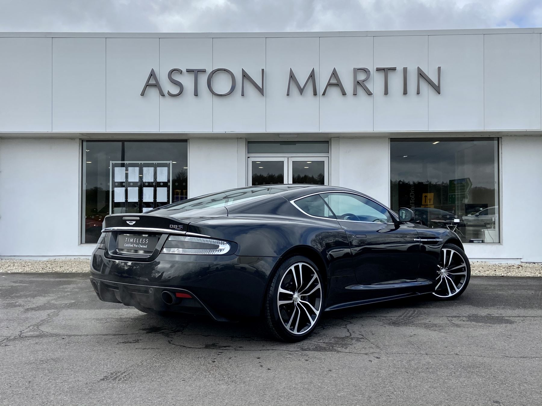 Aston Martin DBS Carbon Edition V12 2dr Touchtronic image 5