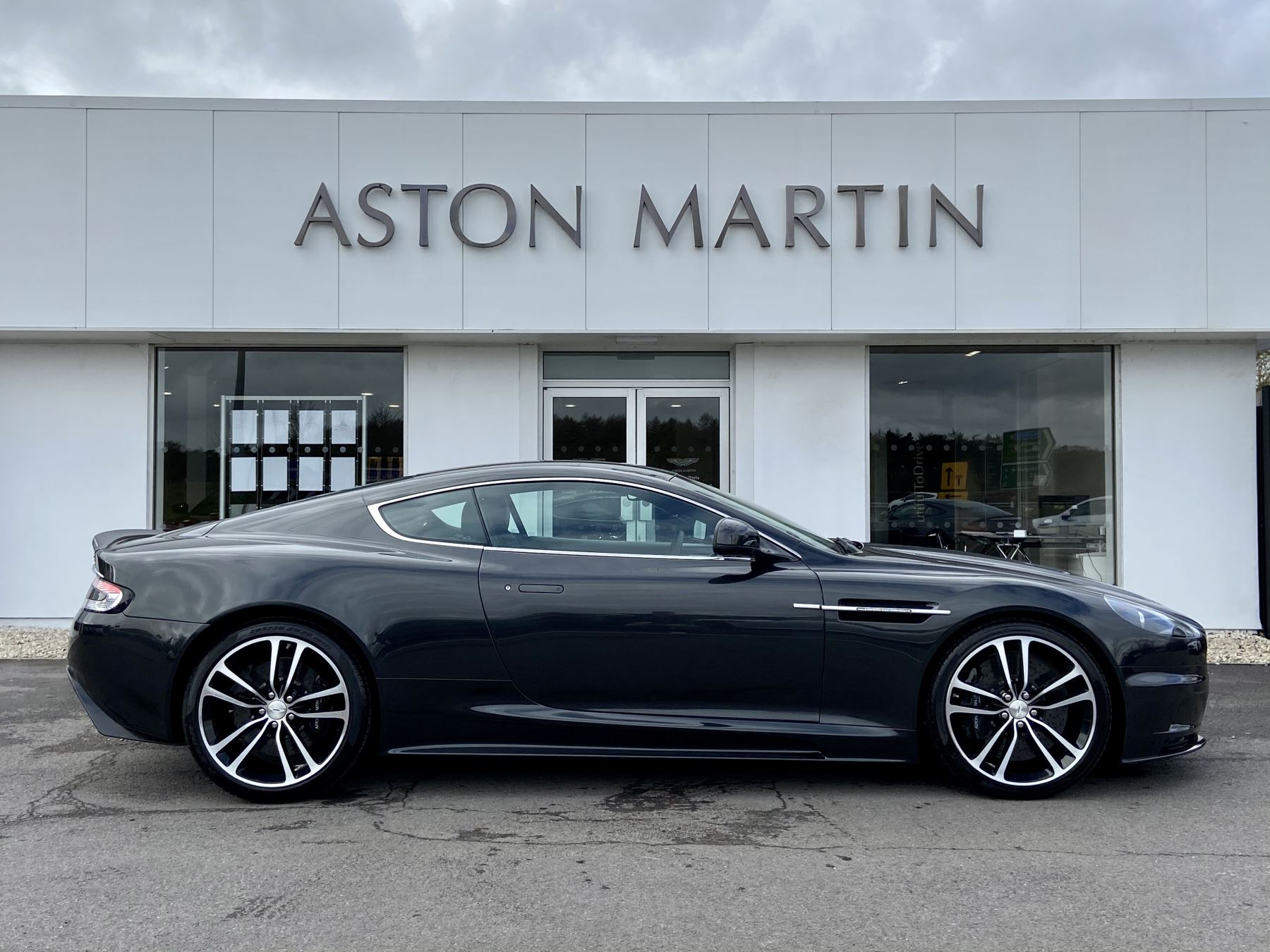 Aston Martin DBS Carbon Edition V12 2dr Touchtronic image 9