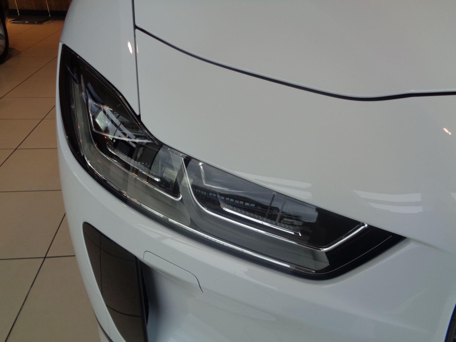 Jaguar I-PACE 90kWh EV400 HSE image 11