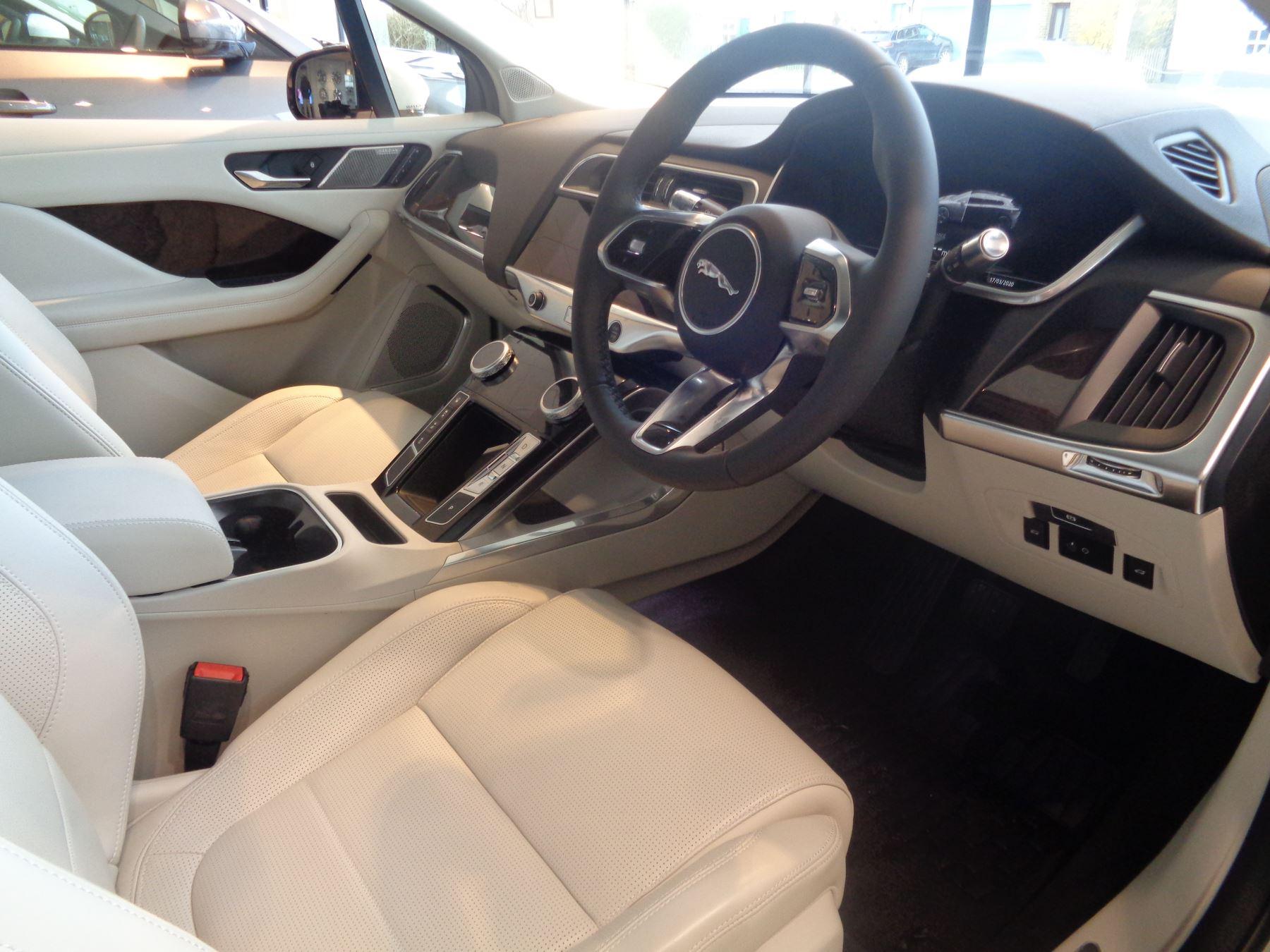 Jaguar I-PACE 90kWh EV400 HSE image 12