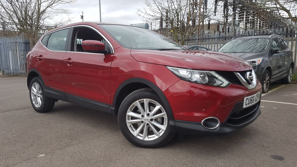 Nissan Qashqai 1.2 DiG-T Acenta [Smart Vision Pack] Xtronic Automatic 5 door Hatchback (2016)