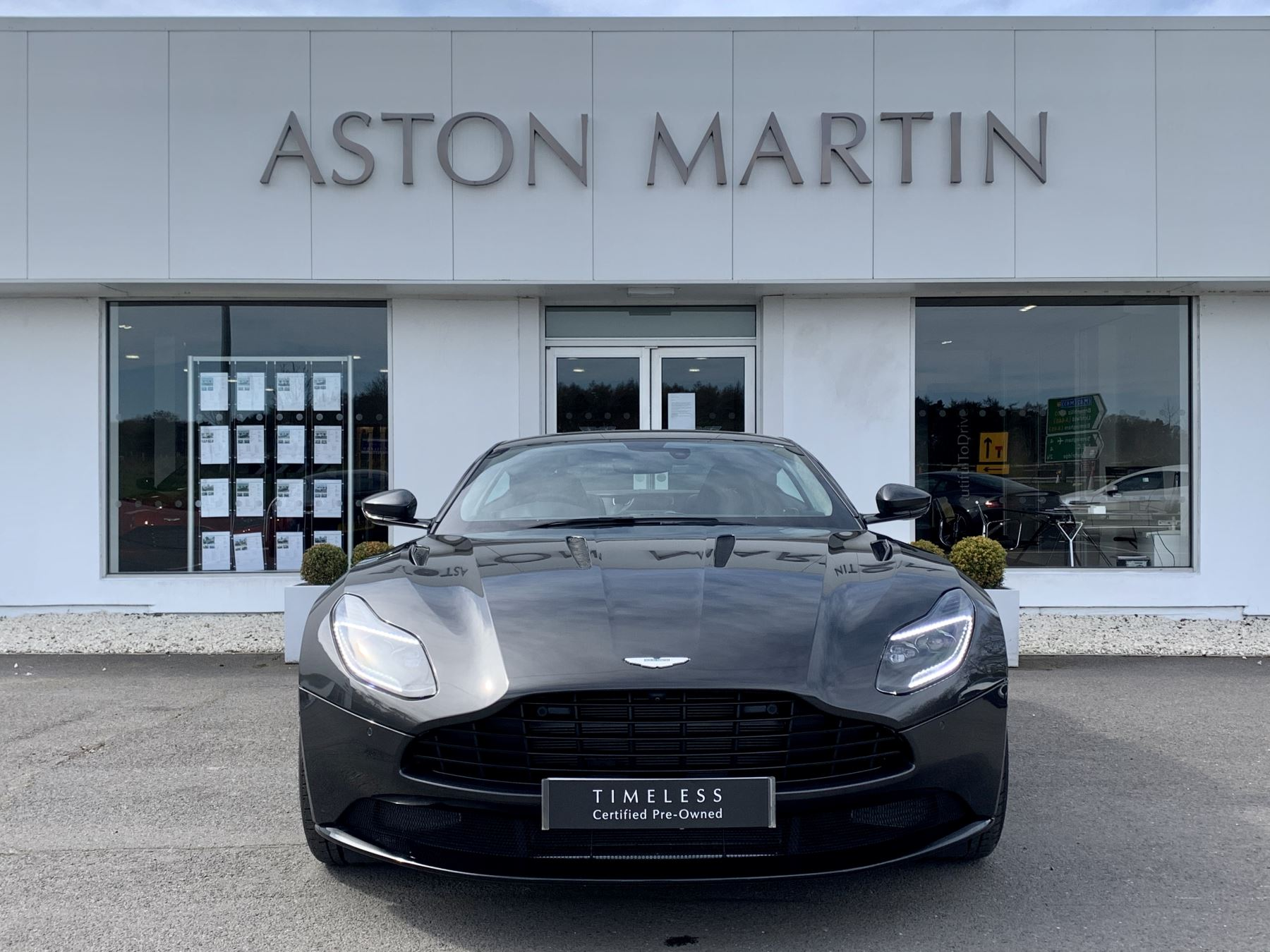 Aston Martin DB11 AMR V12 AMR 2dr Touchtronic Auto image 2