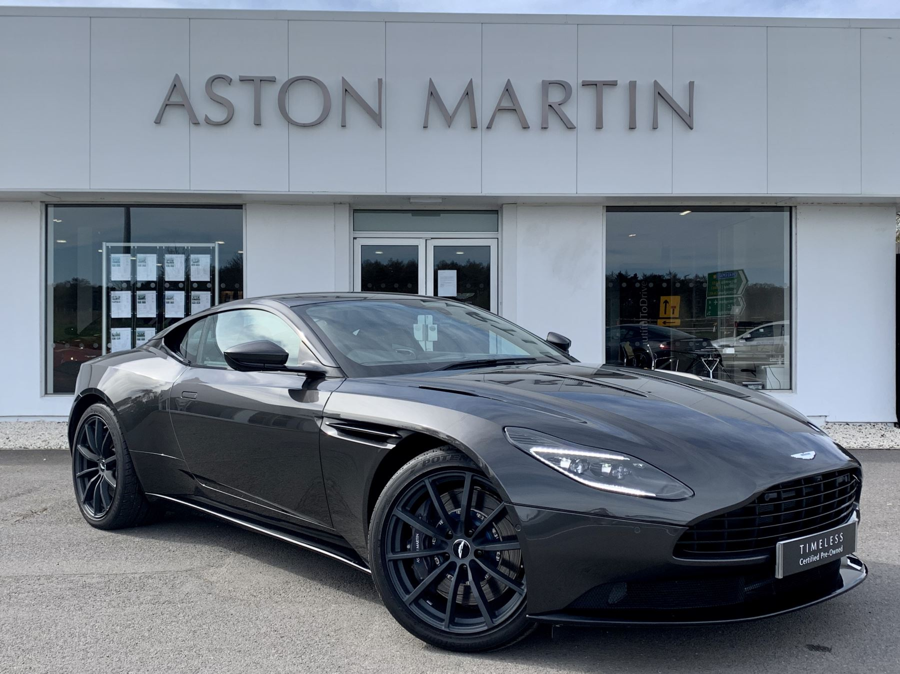 Aston Martin DB11 AMR V12 AMR 2dr Touchtronic Auto image 3