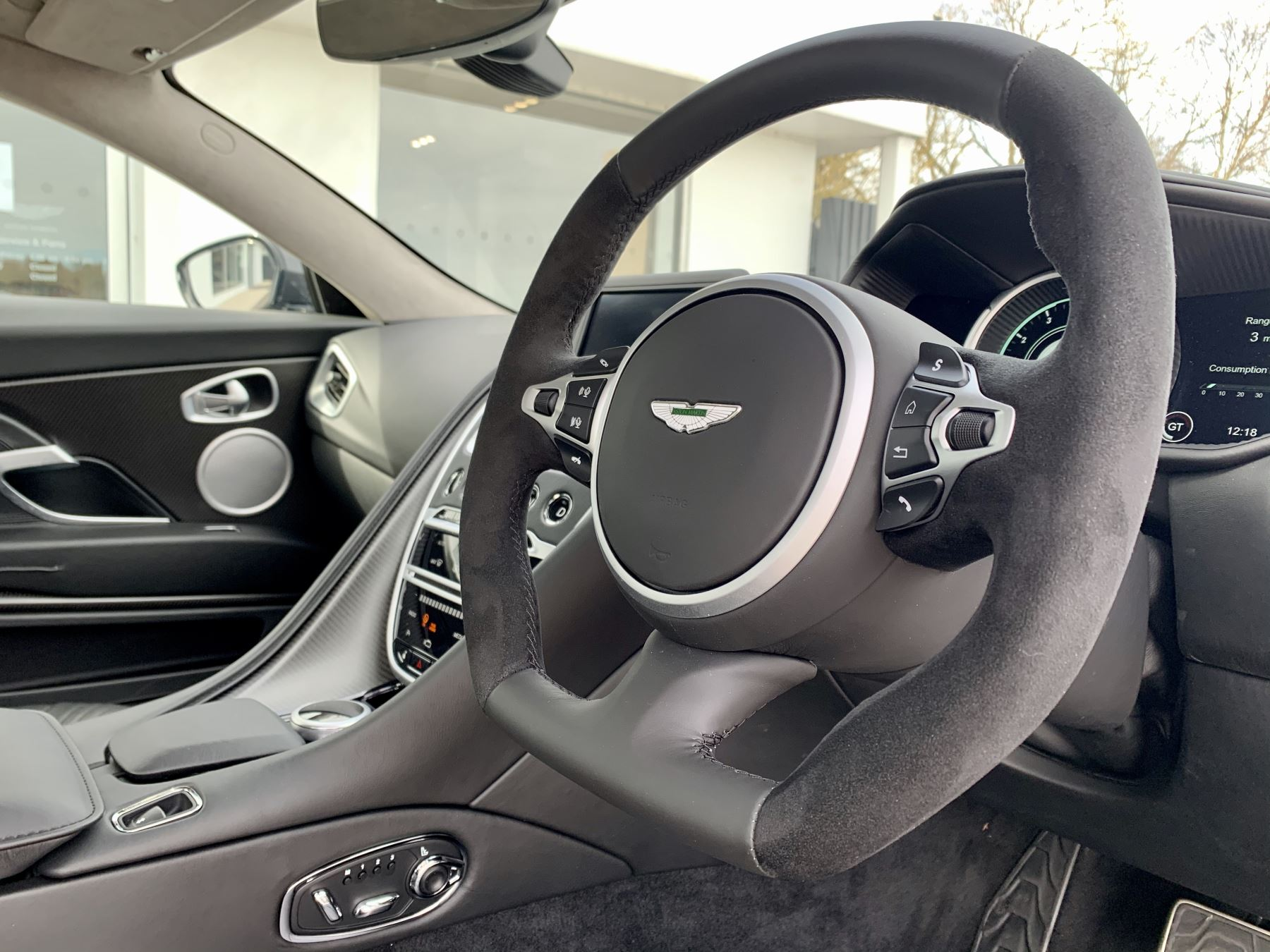Aston Martin DB11 AMR V12 AMR 2dr Touchtronic Auto image 14