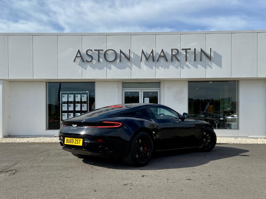 Aston Martin DB11 V12 AMR 2dr Touchtronic image 5