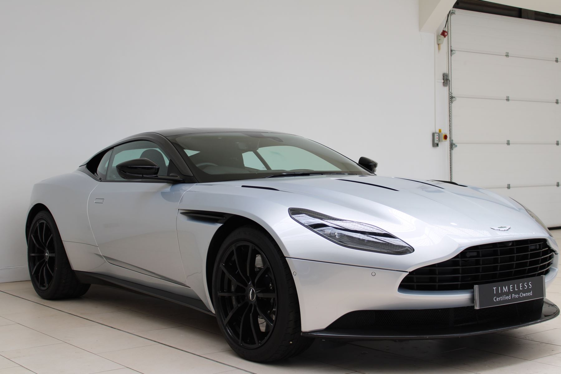 Aston Martin DB11 V12 AMR 2dr Touchtronic image 2