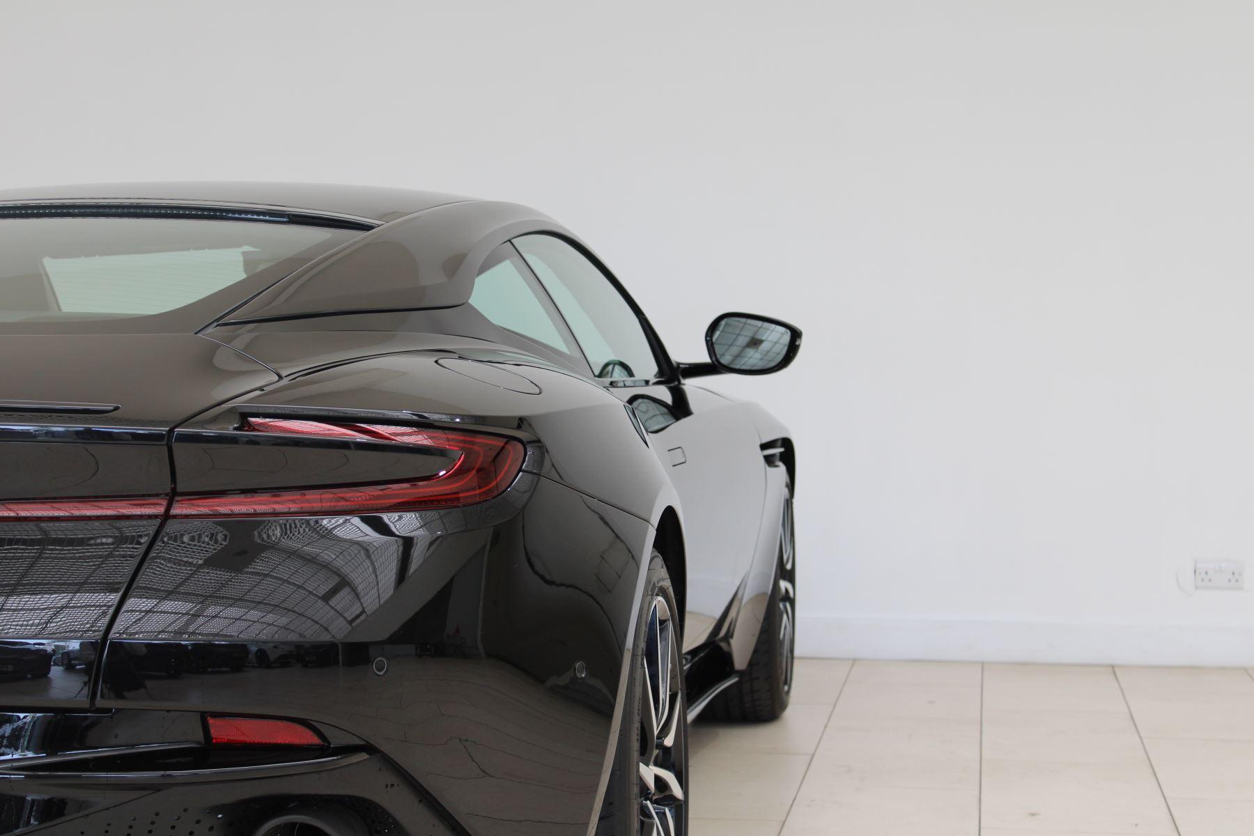 Aston Martin DB11 V8 2dr Touchtronic image 9