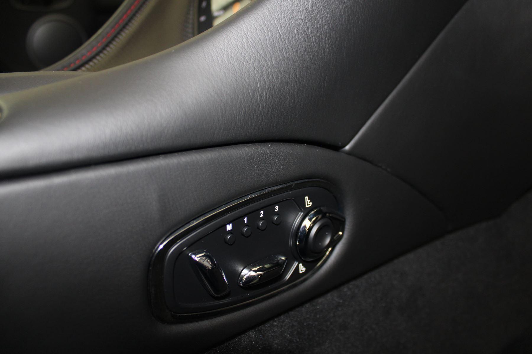 Aston Martin DB11 V8 2dr Touchtronic image 11