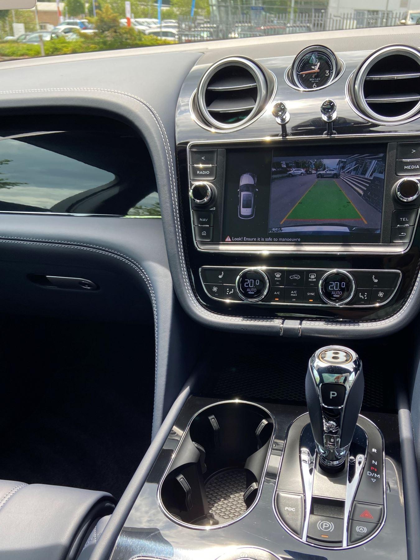 Bentley Bentayga 4.0 V8 5dr Mulliner Driving Specification image 6
