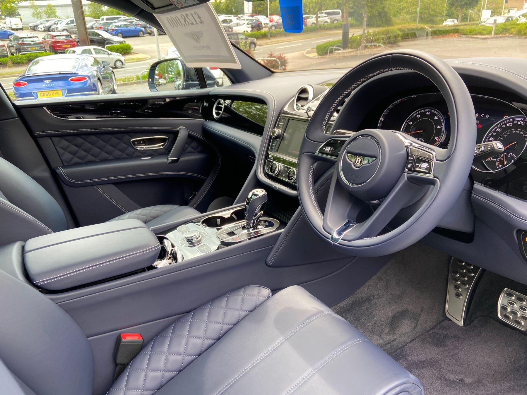 Bentley Bentayga 4.0 V8 5dr Mulliner Driving Specification image 9