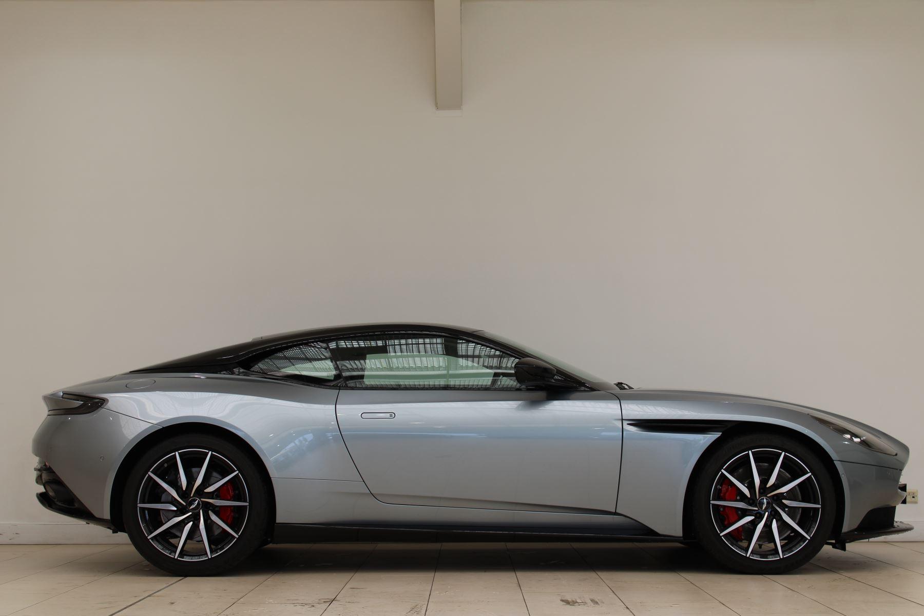 Aston Martin DB11 V8 2dr Touchtronic Auto image 4