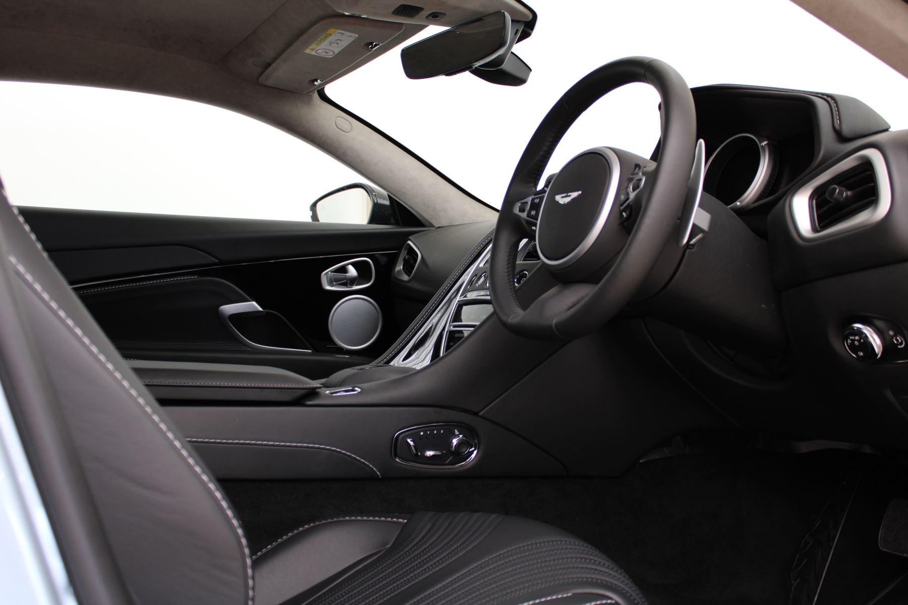 Aston Martin DB11 V8 2dr Touchtronic Auto image 13