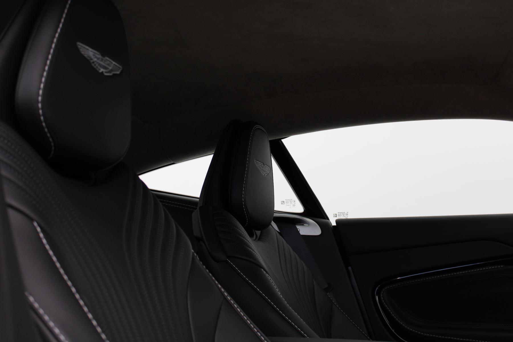 Aston Martin DB11 V8 2dr Touchtronic Auto image 14