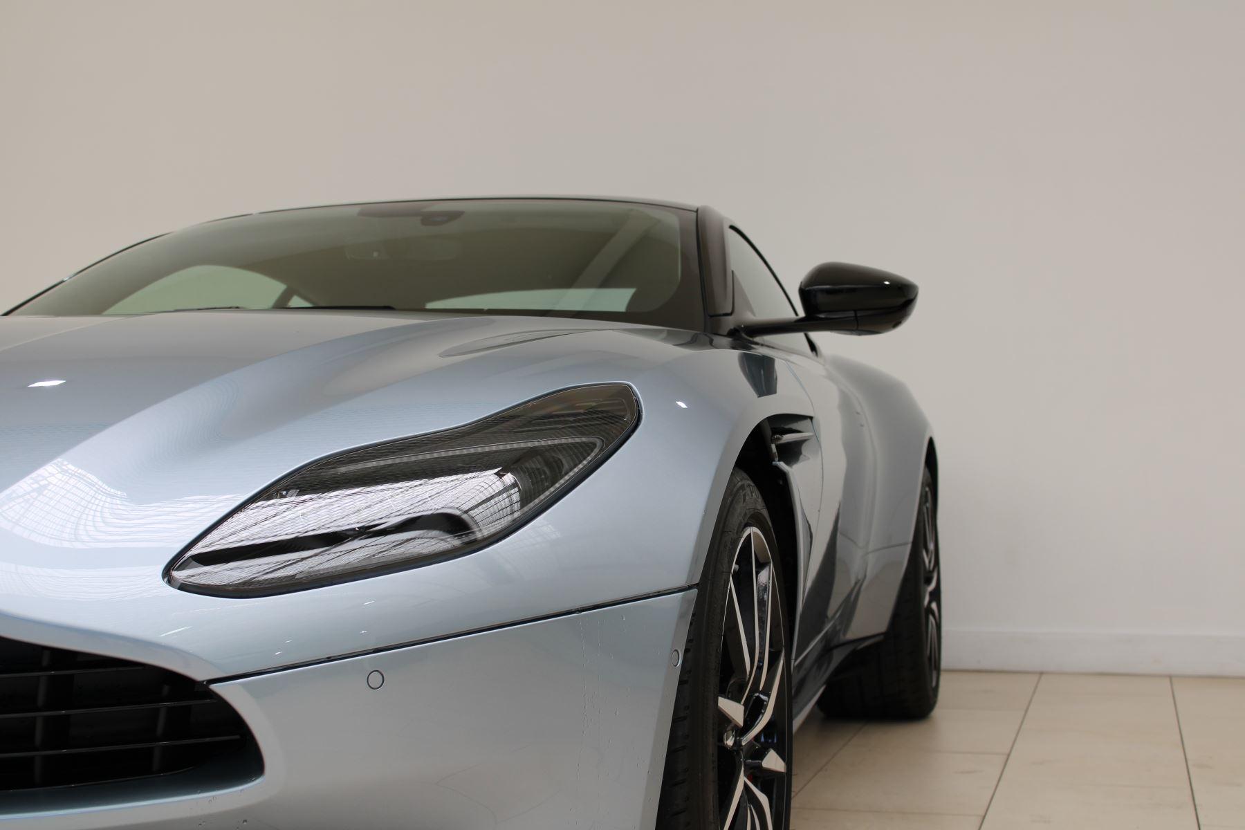 Aston Martin DB11 V8 2dr Touchtronic Auto image 3
