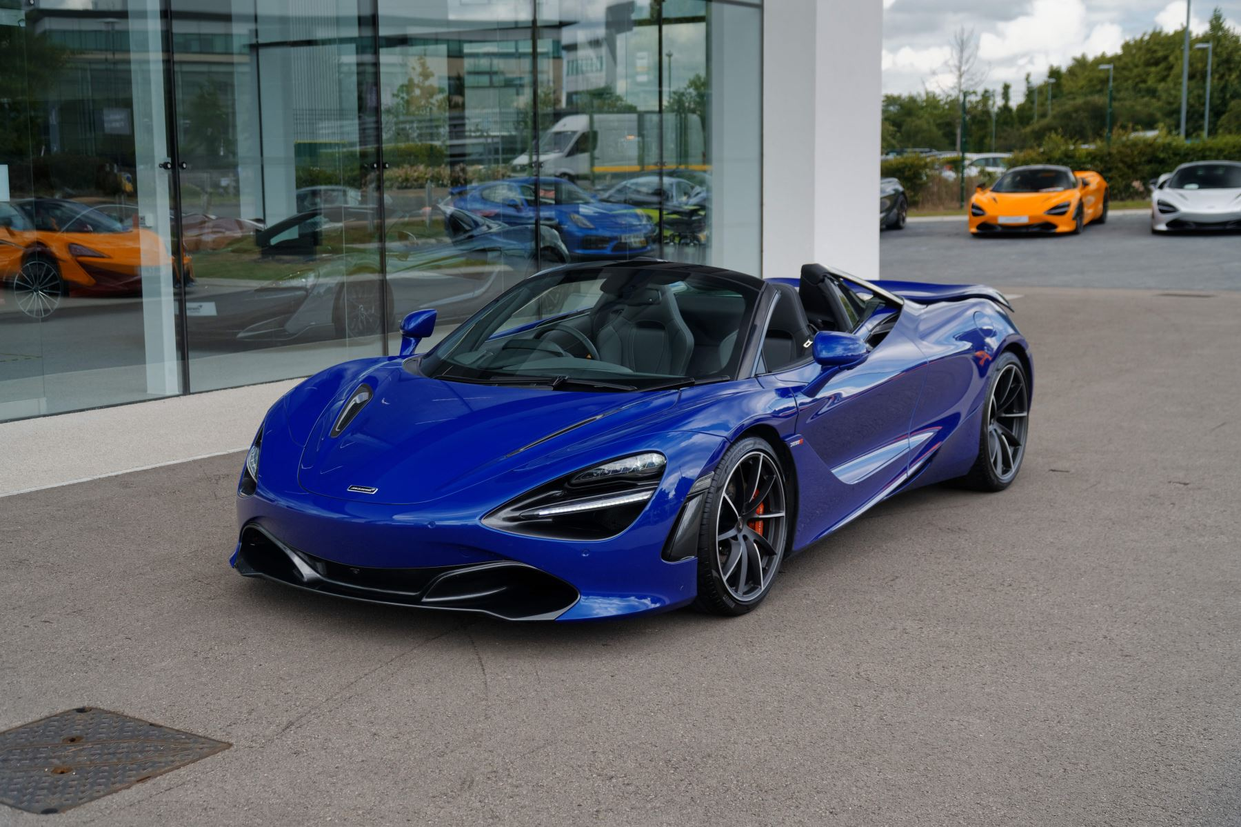 McLaren 720S Spider V8 2dr SSG 4.0 Automatic Convertible (2019) image