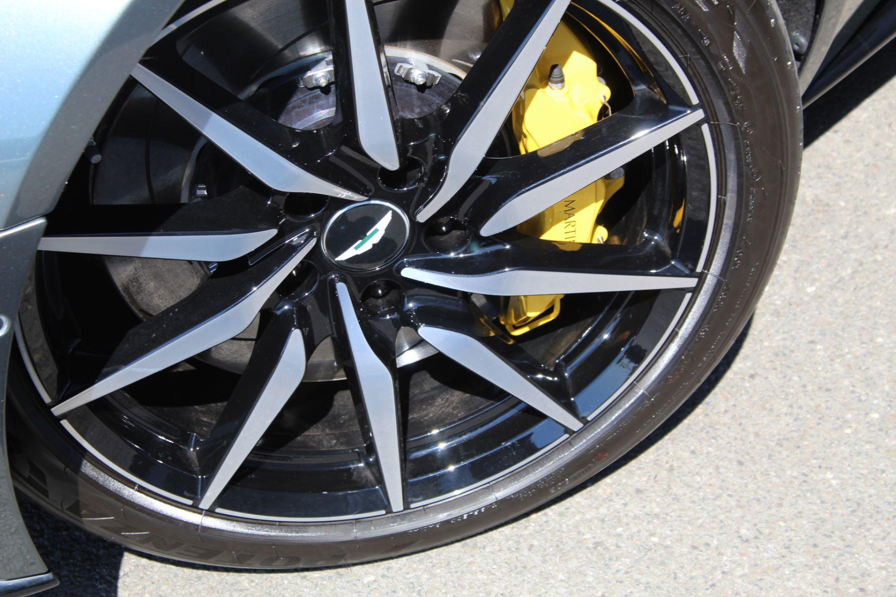 Aston Martin DB11 V8 Volante 2dr Touchtronic image 24