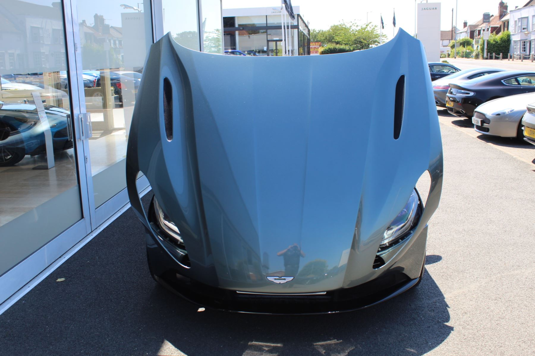 Aston Martin DB11 V8 Volante 2dr Touchtronic image 21