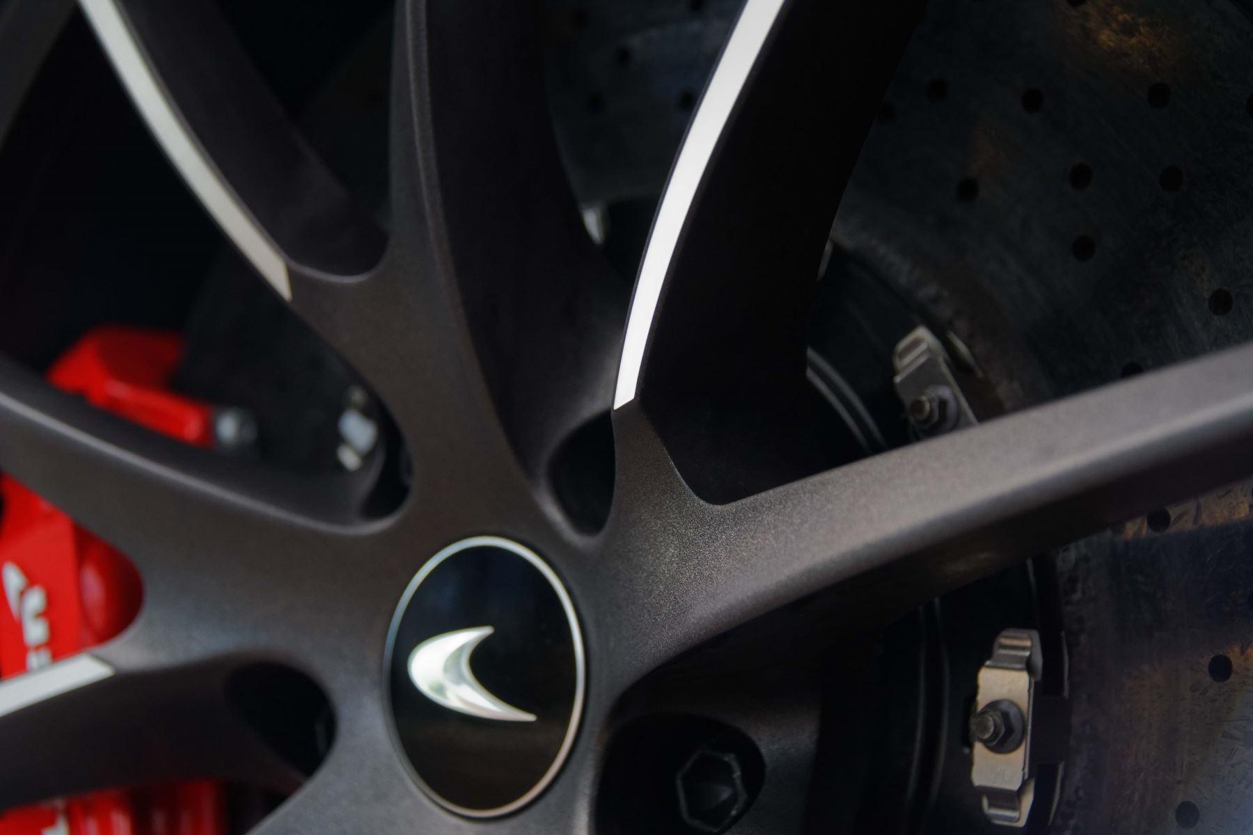 McLaren 720S Spider V8 2dr SSG image 18