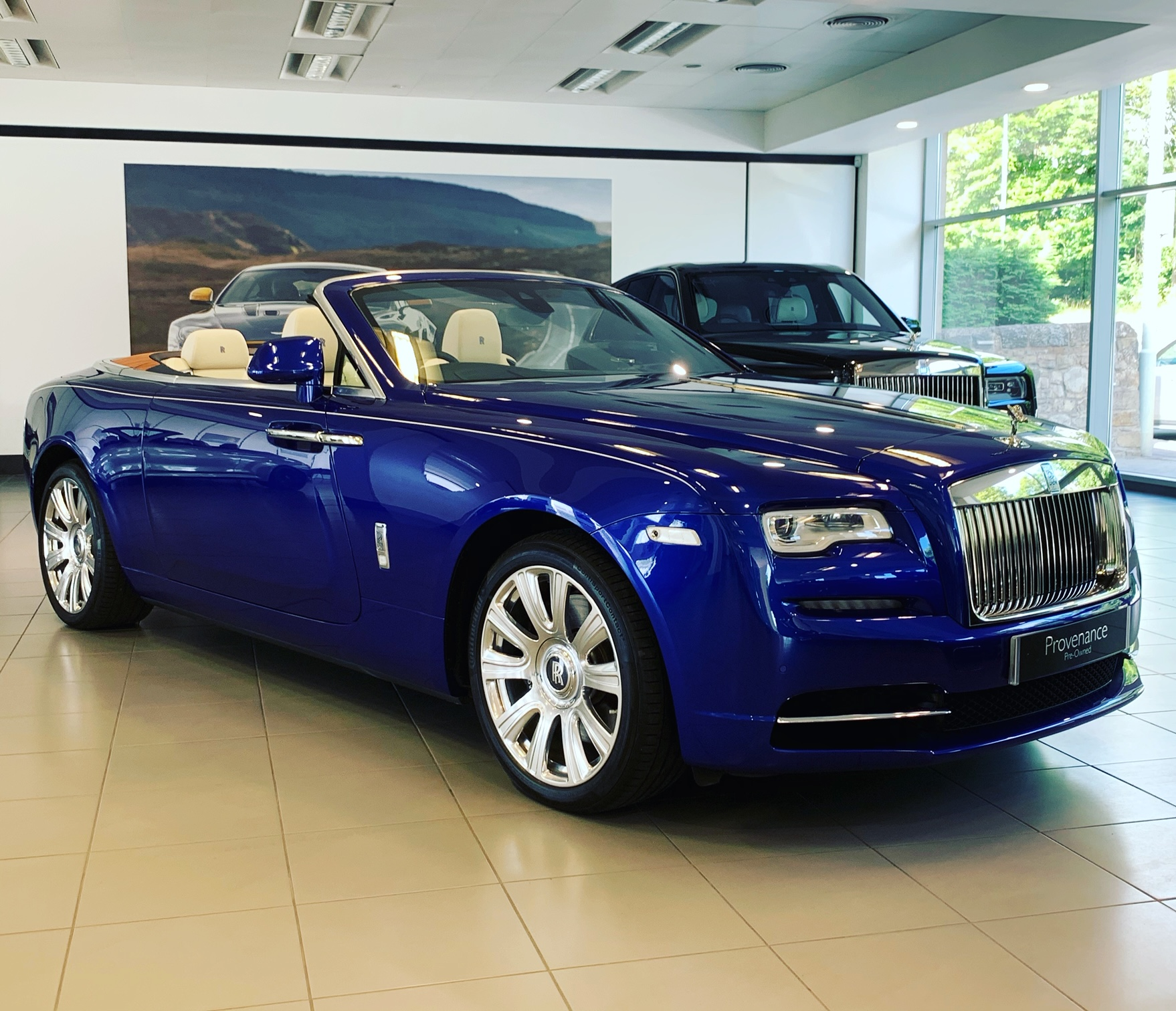 Rolls-Royce Dawn V12 6.6 Automatic 2 door Cabriolet (2017)