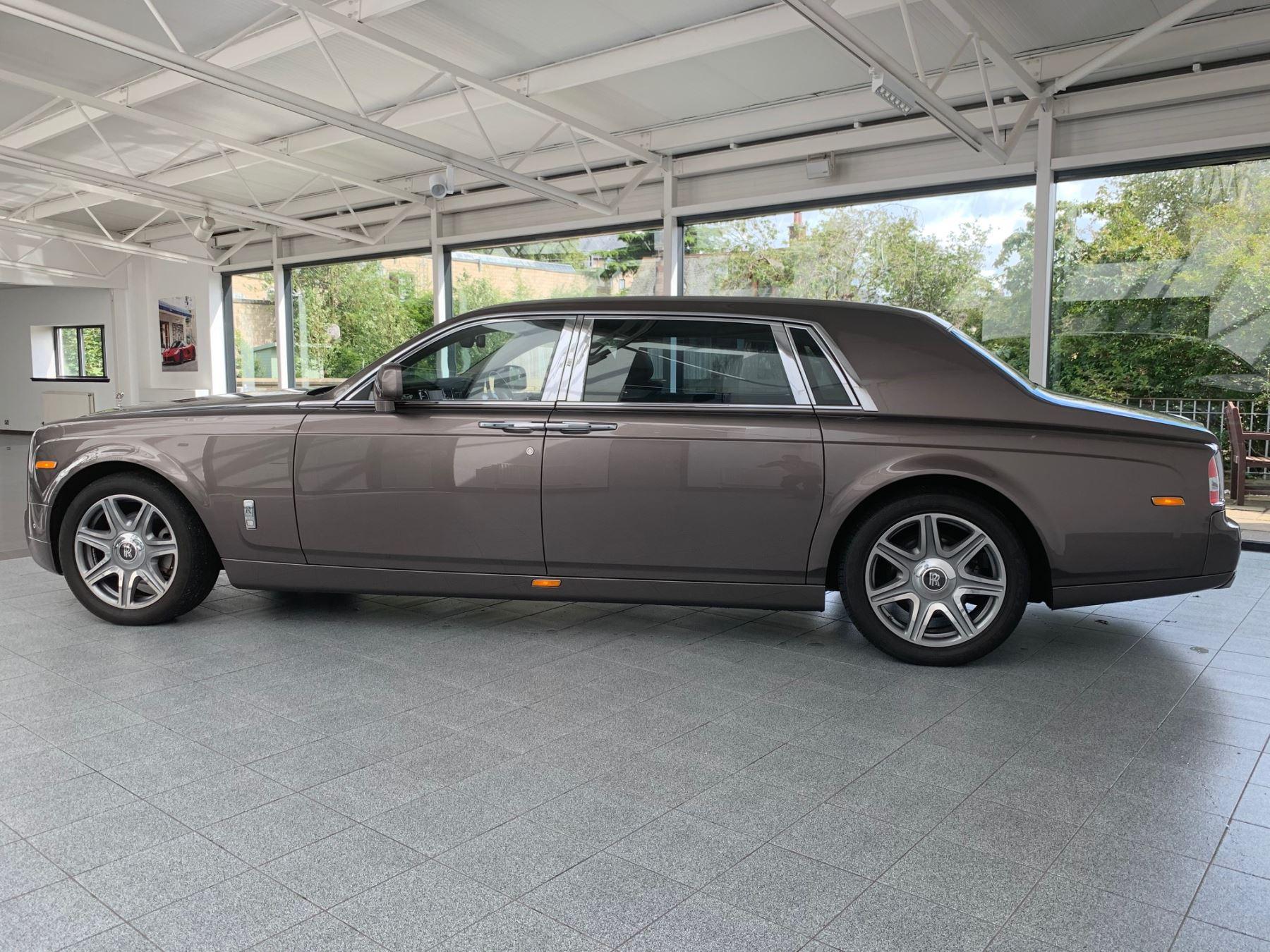 Rolls-Royce Phantom Extended Wheelbase II 4dr Auto Extended Wheel Base image 4