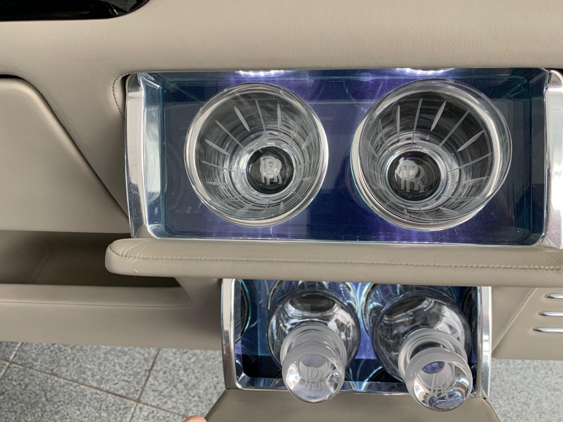 Rolls-Royce Phantom Extended Wheelbase II 4dr Auto Extended Wheel Base image 15