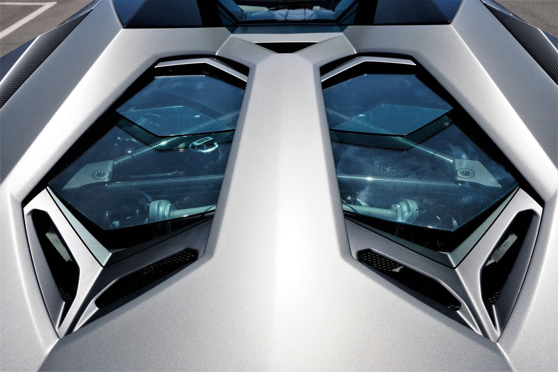 Lamborghini Aventador SV Roadster Superveloce LP 750-4 ISR image 12