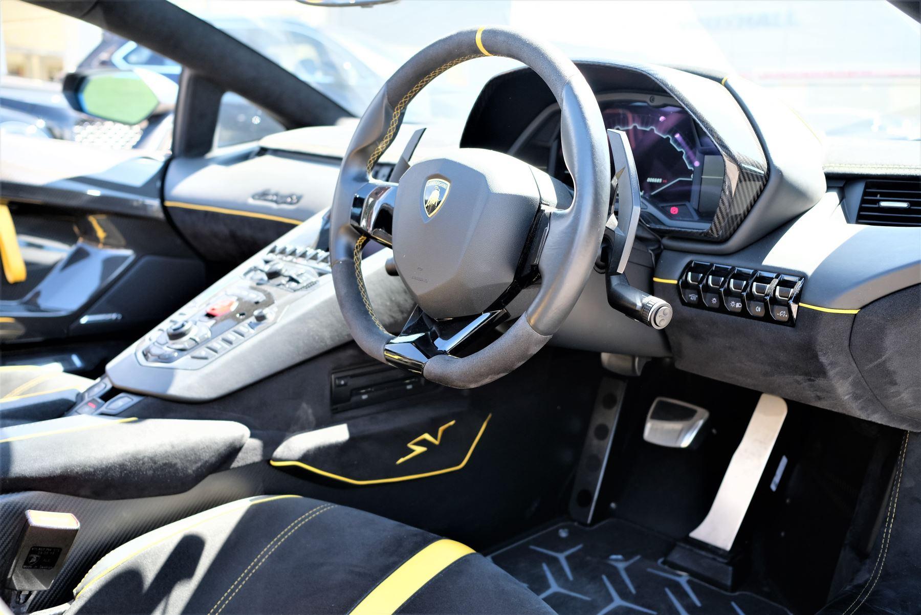 Lamborghini Aventador SV Roadster Superveloce LP 750-4 ISR image 14