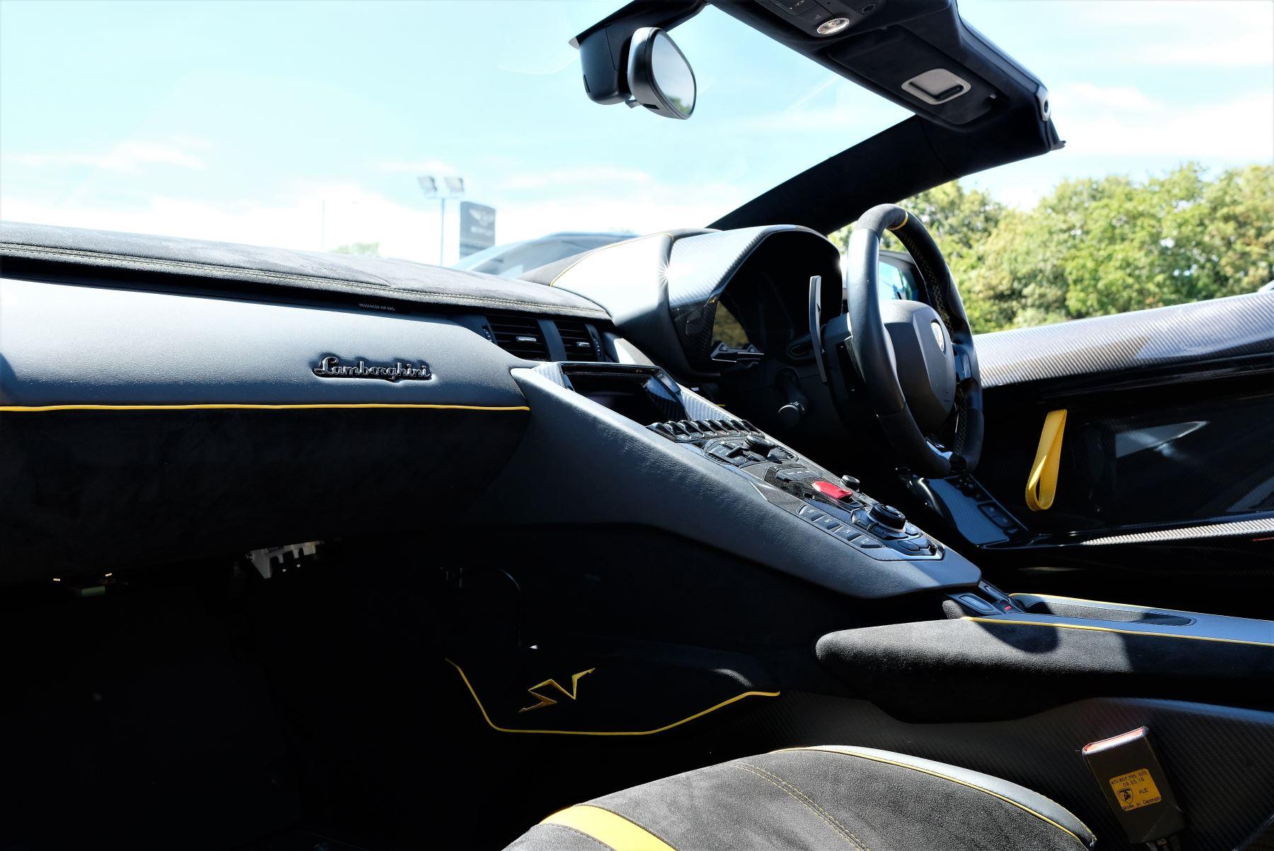 Lamborghini Aventador SV Roadster Superveloce LP 750-4 ISR image 15