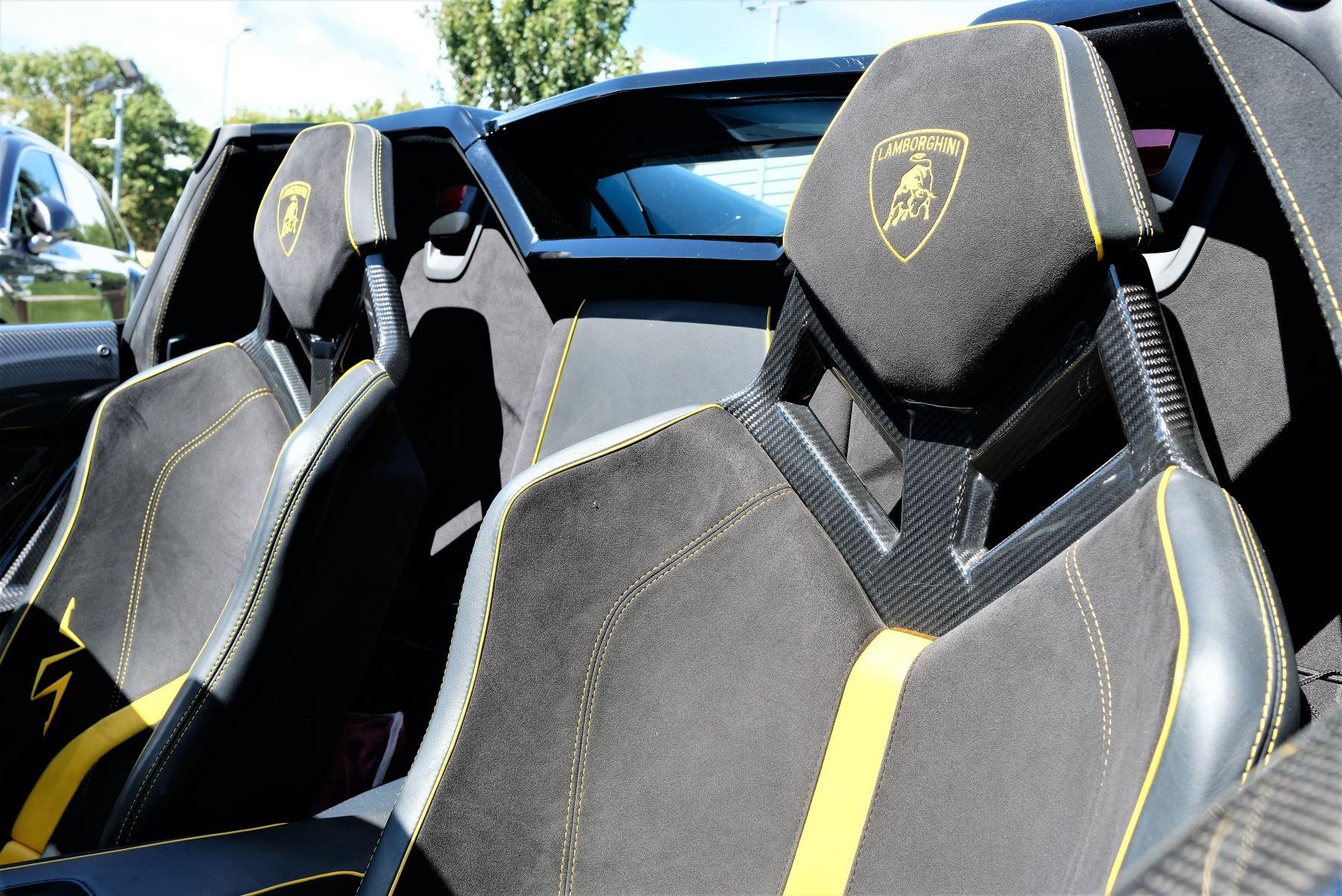 Lamborghini Aventador SV Roadster Superveloce LP 750-4 ISR image 16