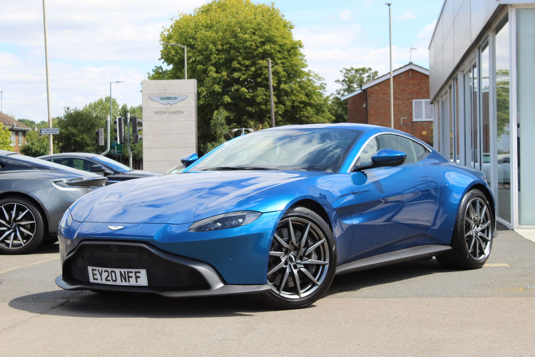 Aston Martin New Vantage 2dr ZF 8 Speed 4.0 Automatic 3 door Coupe (2020) image