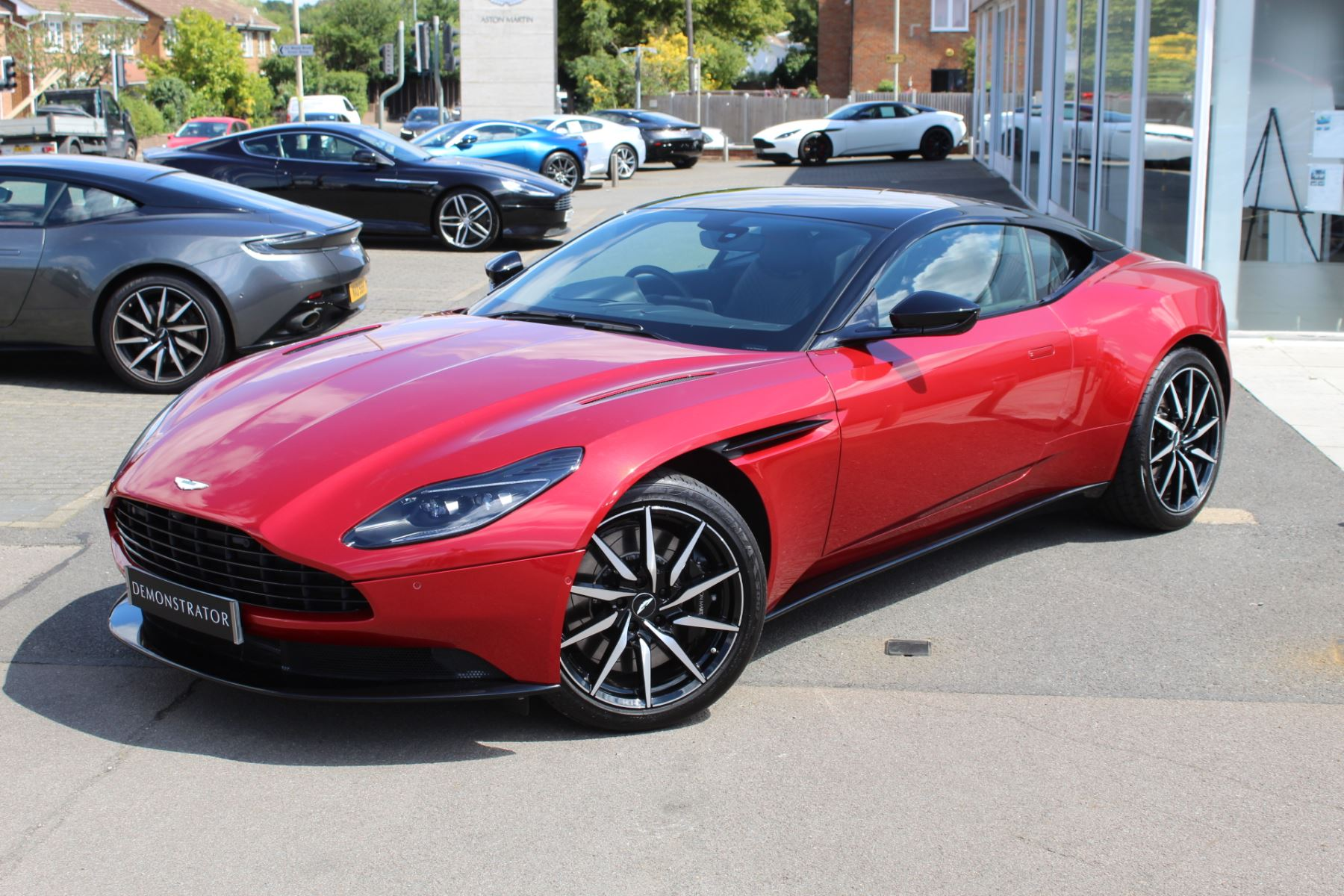 Aston Martin DB11 V8 2dr Touchtronic image 3