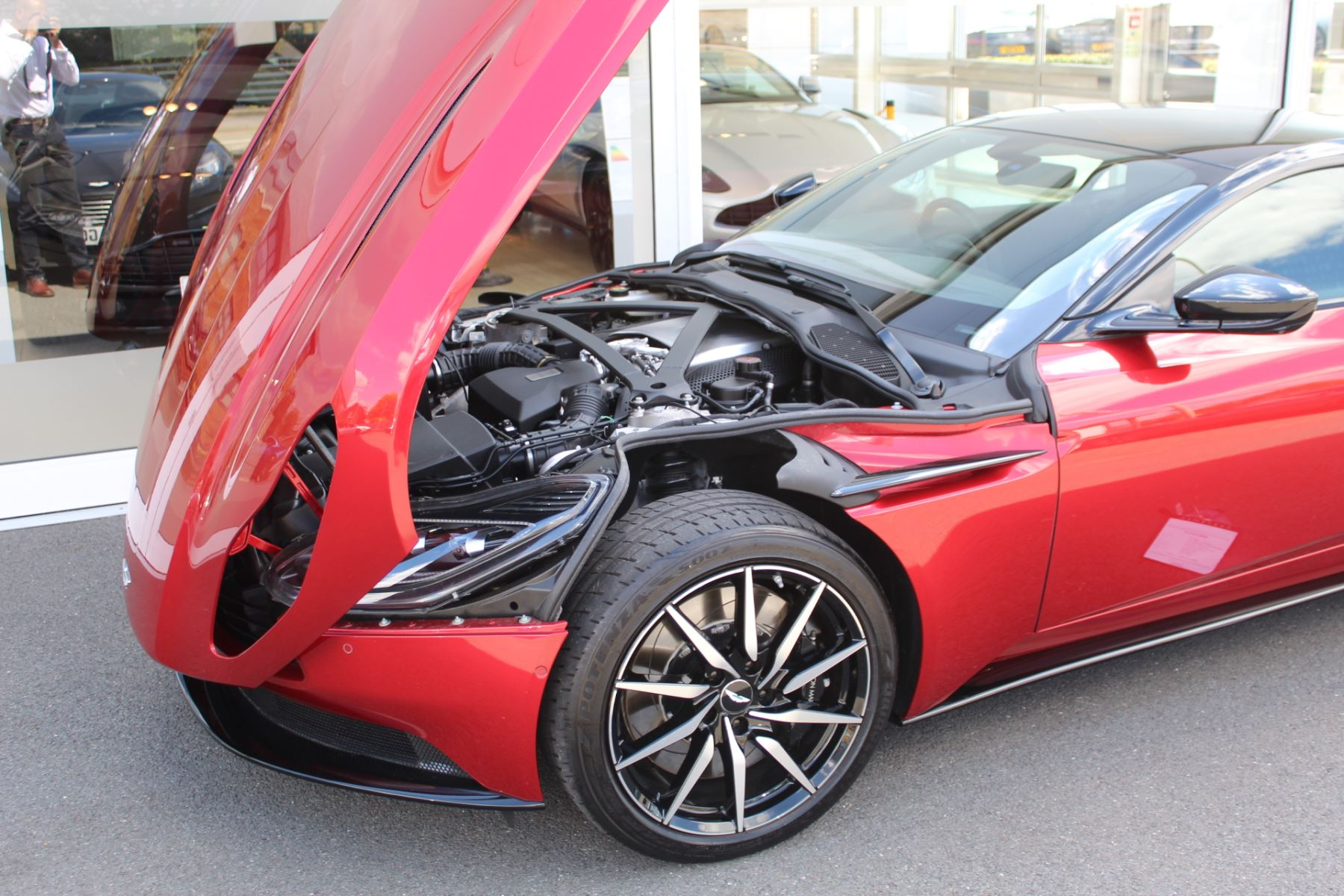 Aston Martin DB11 V8 2dr Touchtronic image 28