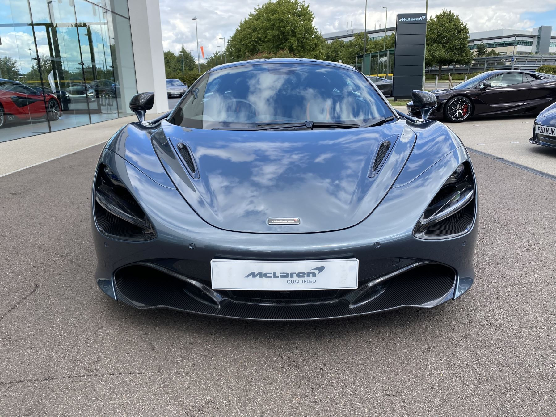 McLaren 720S Coupe  image 2