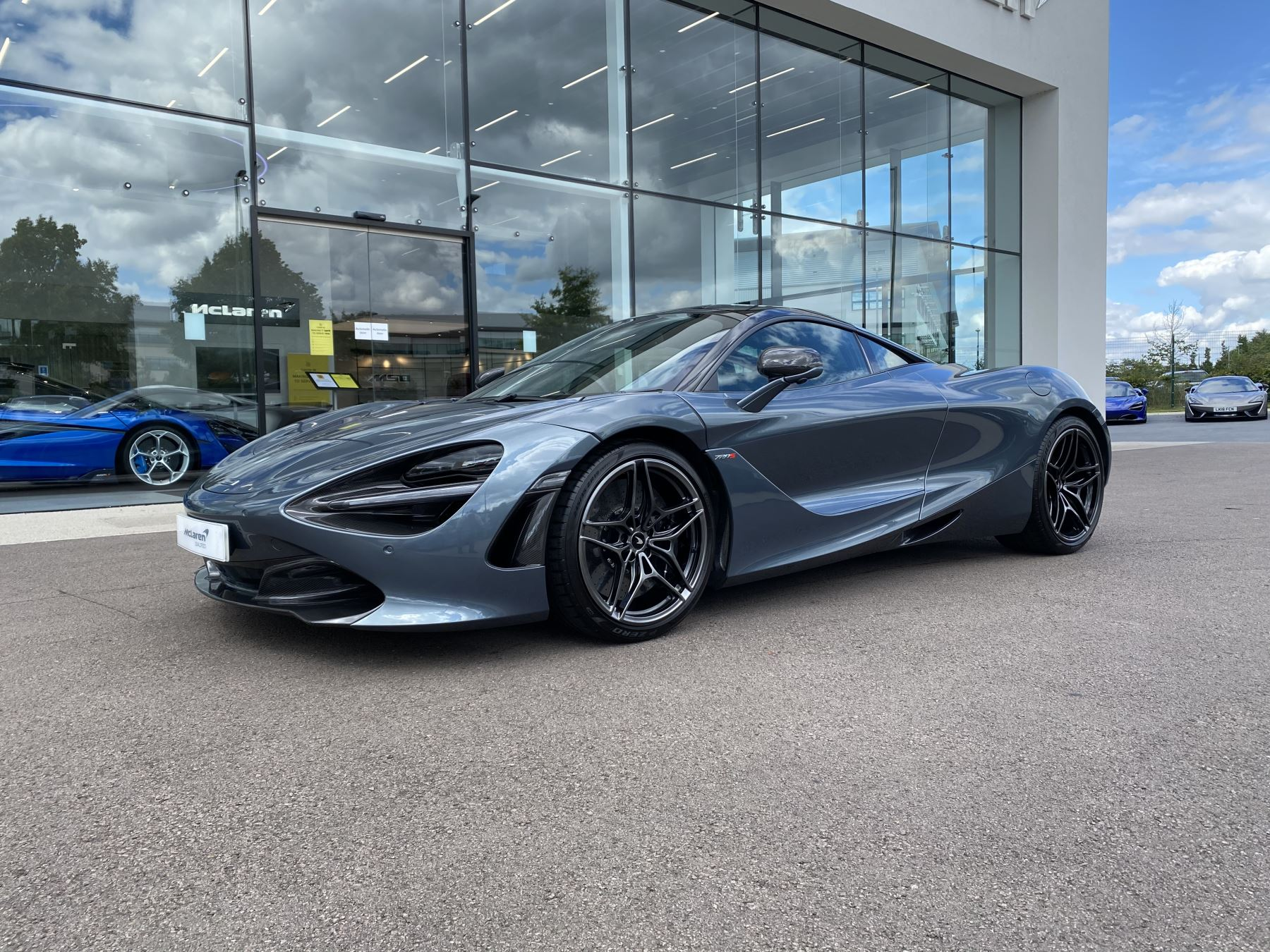 McLaren 720S Coupe  image 7