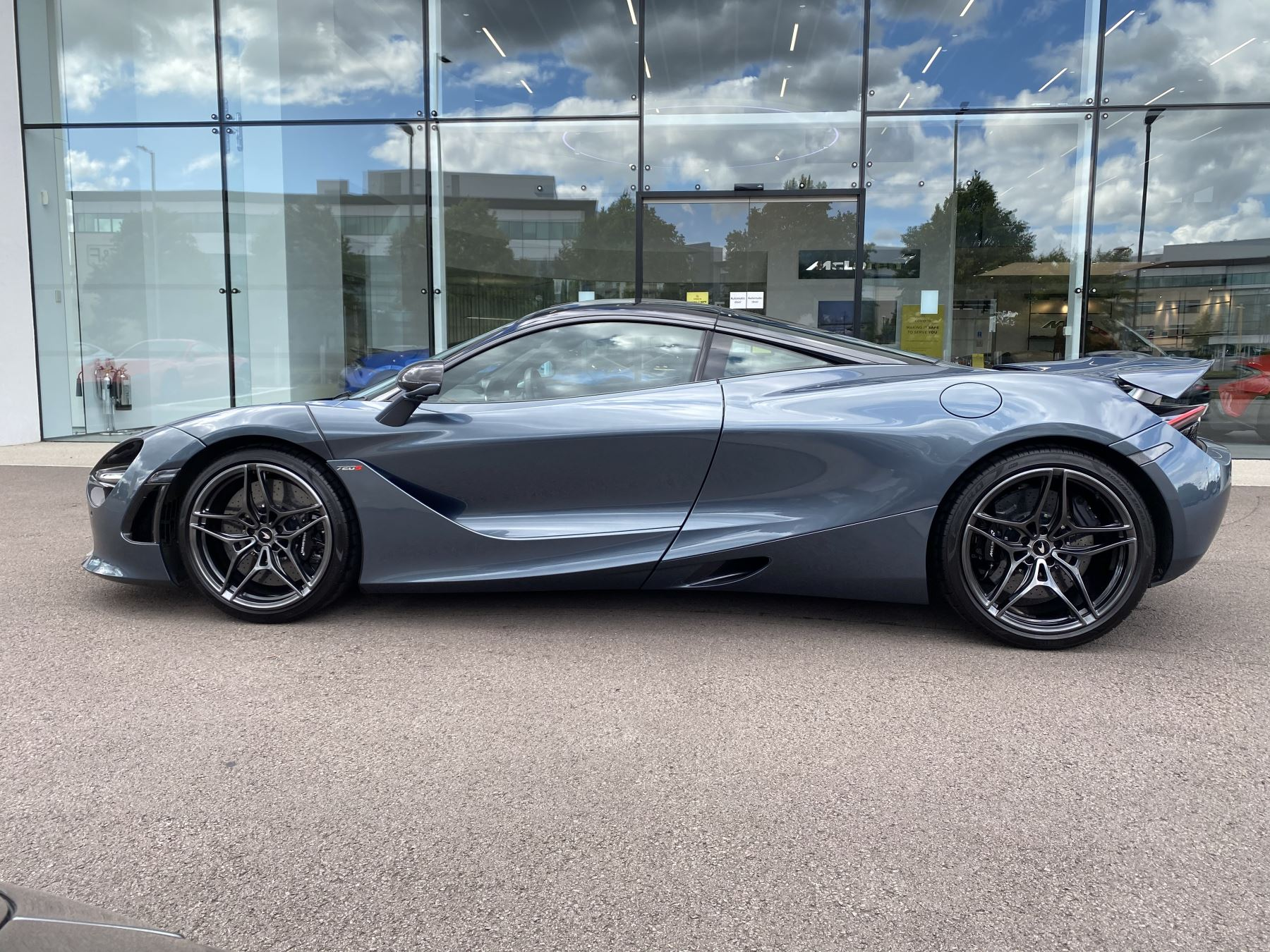 McLaren 720S Coupe  image 17