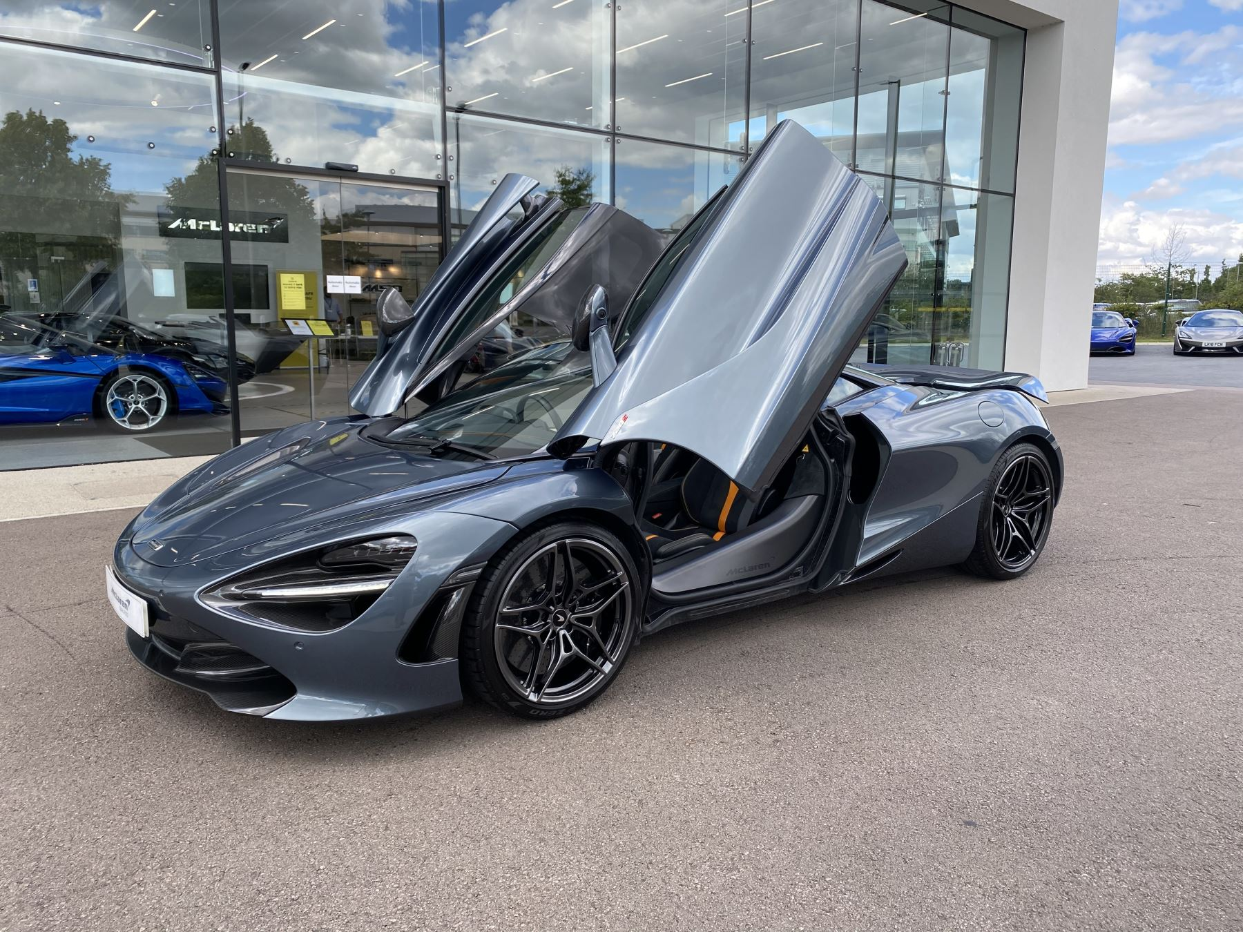 McLaren 720S Coupe  image 31
