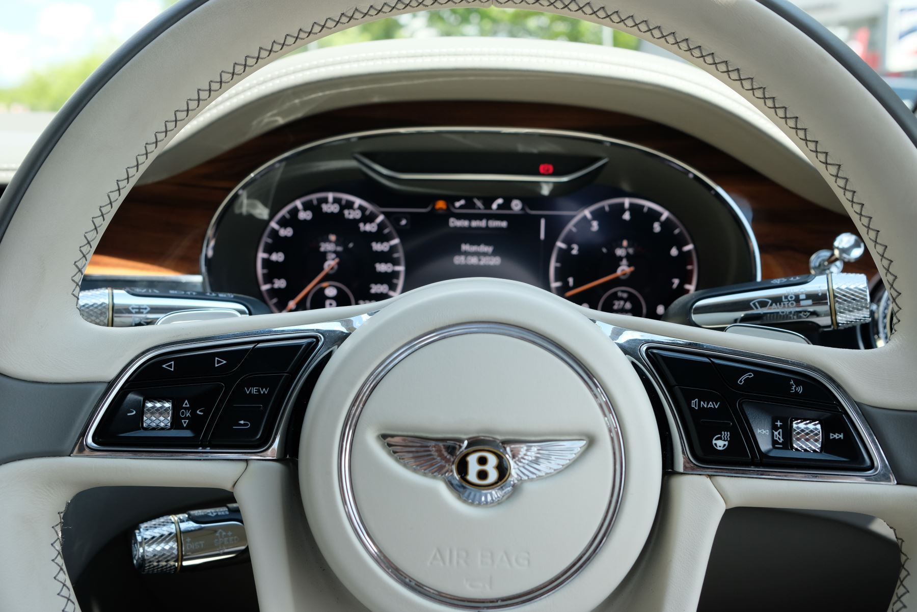 Bentley Continental GT 6.0 W12 2dr image 18